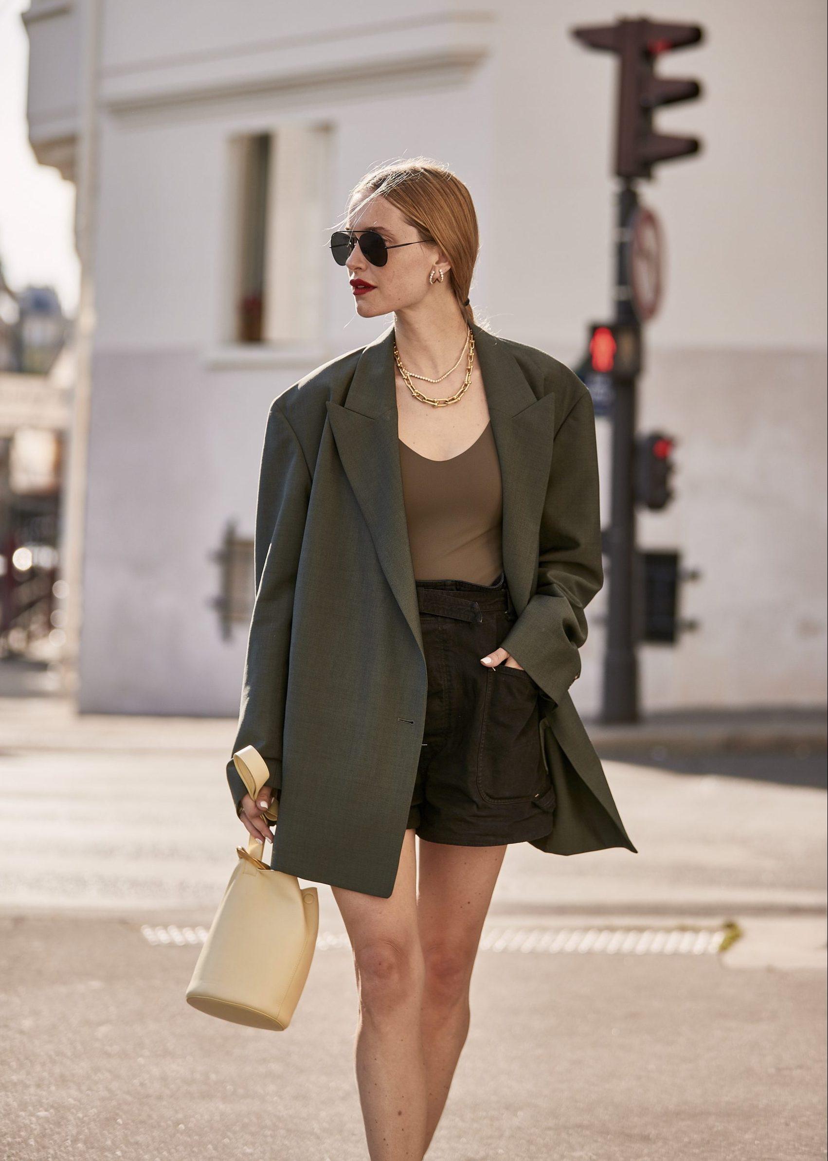 Pernille Teisbaek con un sofisticado blazer oversize/Imaxtree.