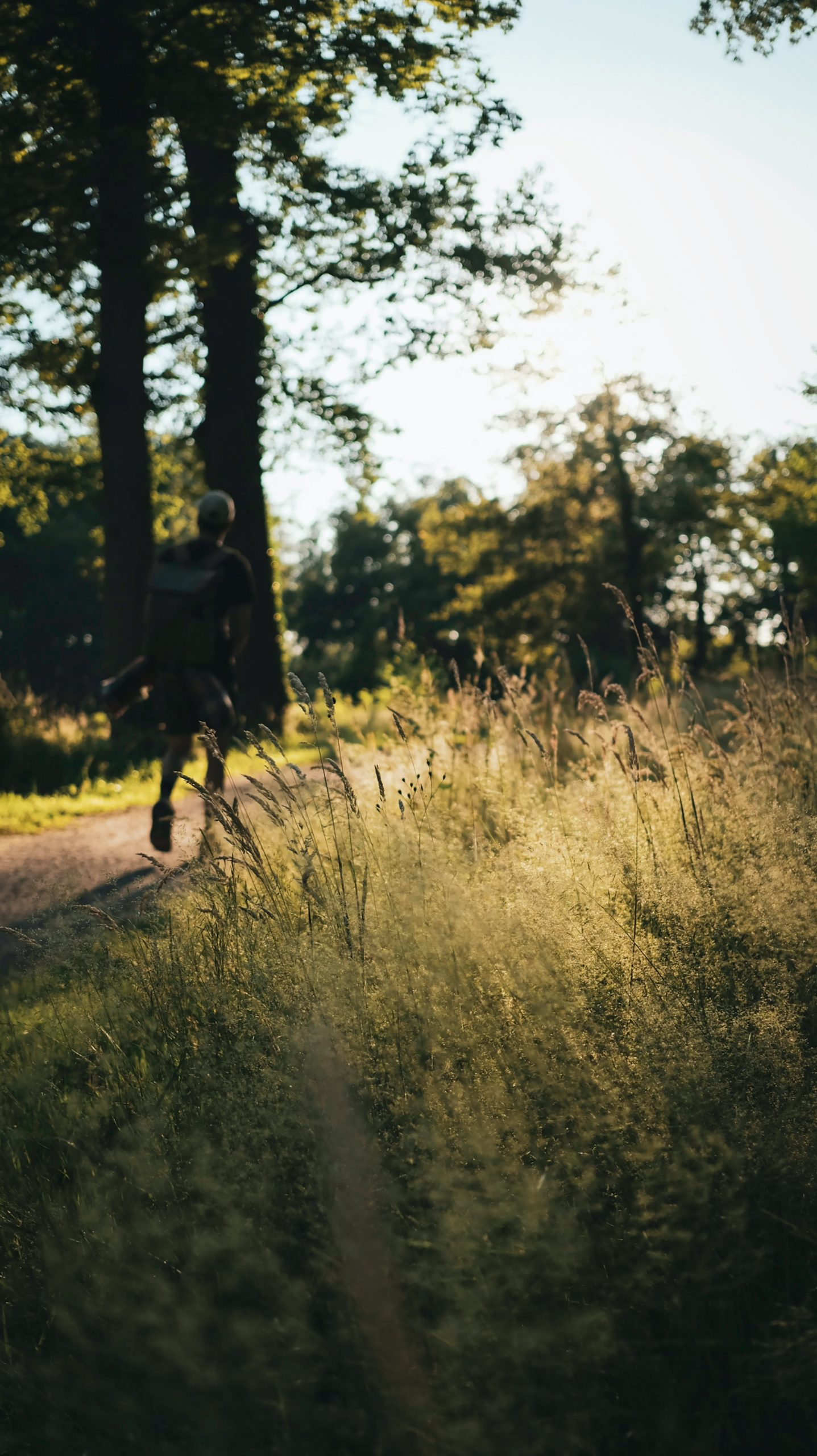 Caminar te ayuda a adelgazar. /Unsplash