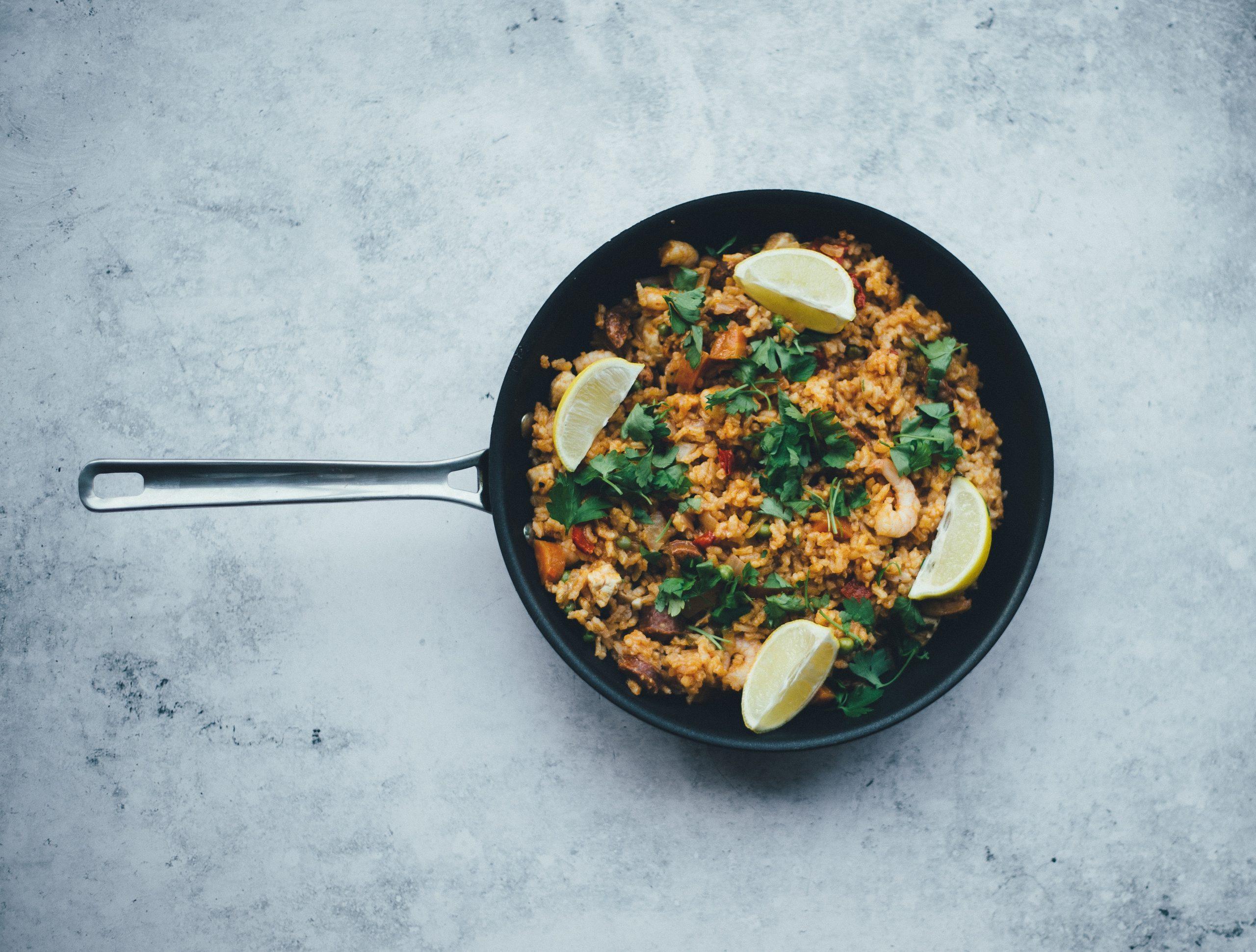 La dieta mediterránea es efectiva para mantener nuestro peso a largo plazo y estos son los alimentos más interesantes. /Unsplash