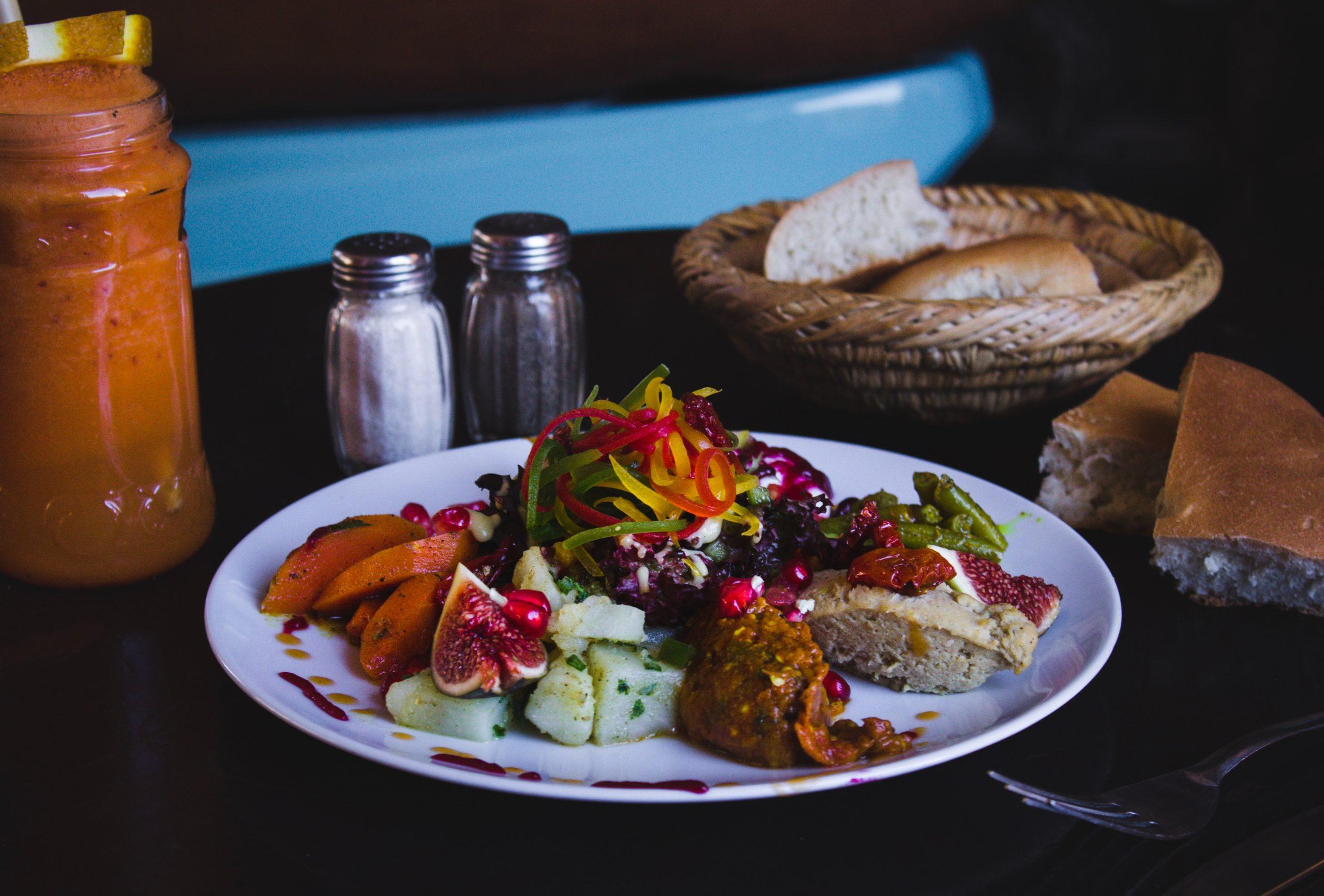 Los alimentos sanos de la dieta mediterránea nos ayudan a mantenernos en nuestro peso ideal. /Unsplash