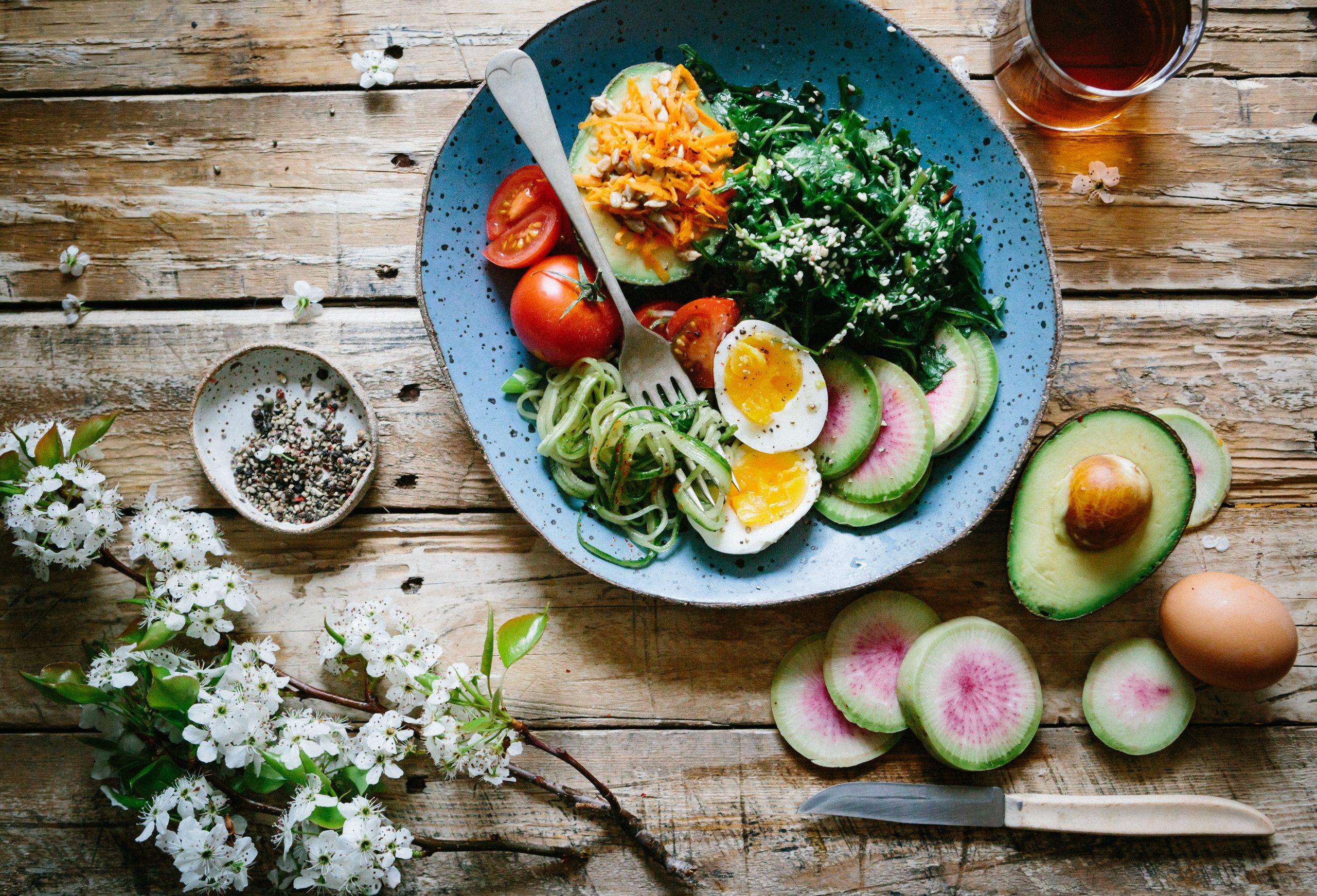 En la foto, una plato de colores saludable. /Foto: Unsplash