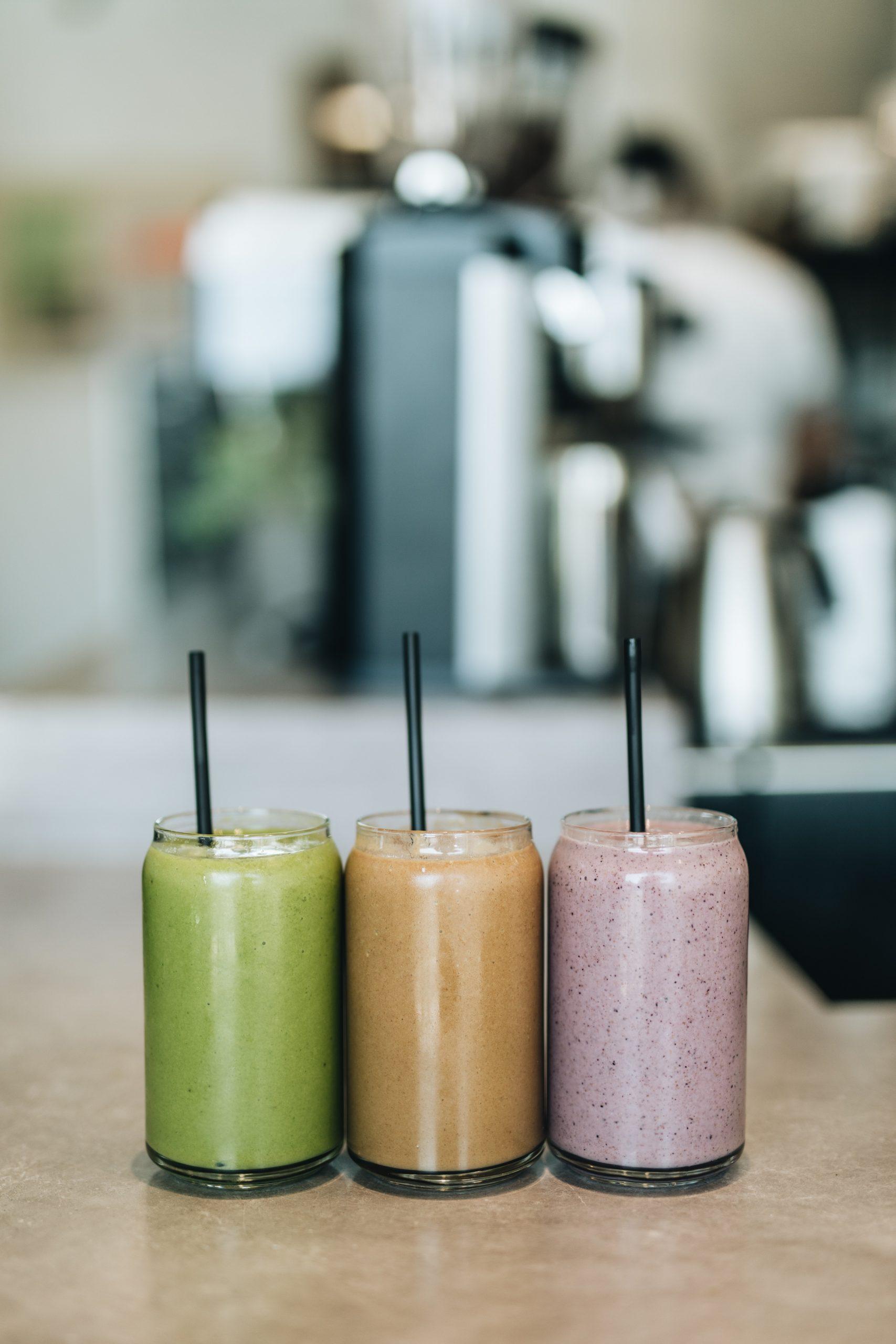Puedes añadir rhodiola a todos tus smoothies y batidos.