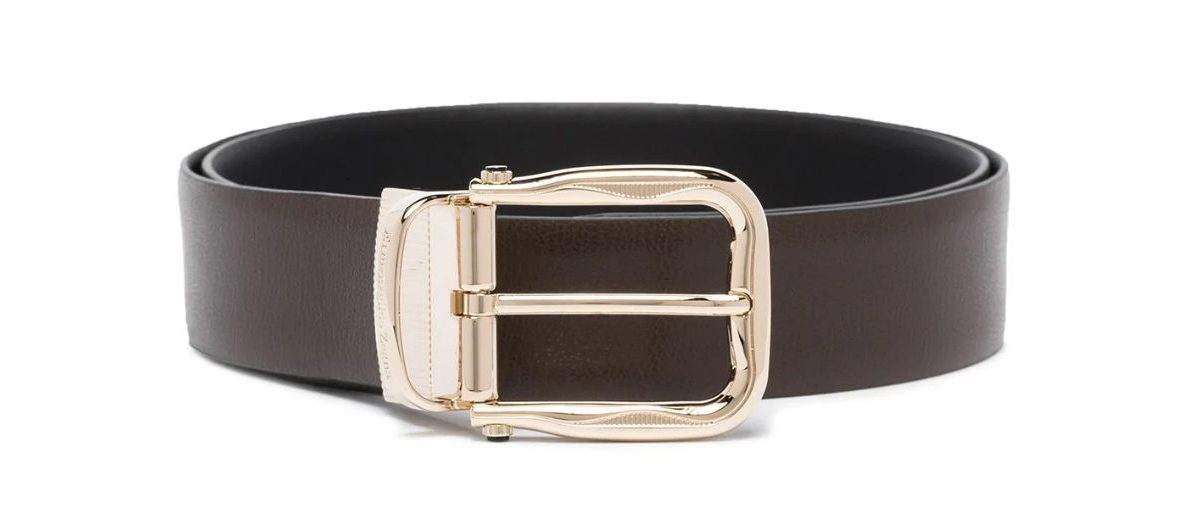 accesorios de hombre: cinturón de piel.
