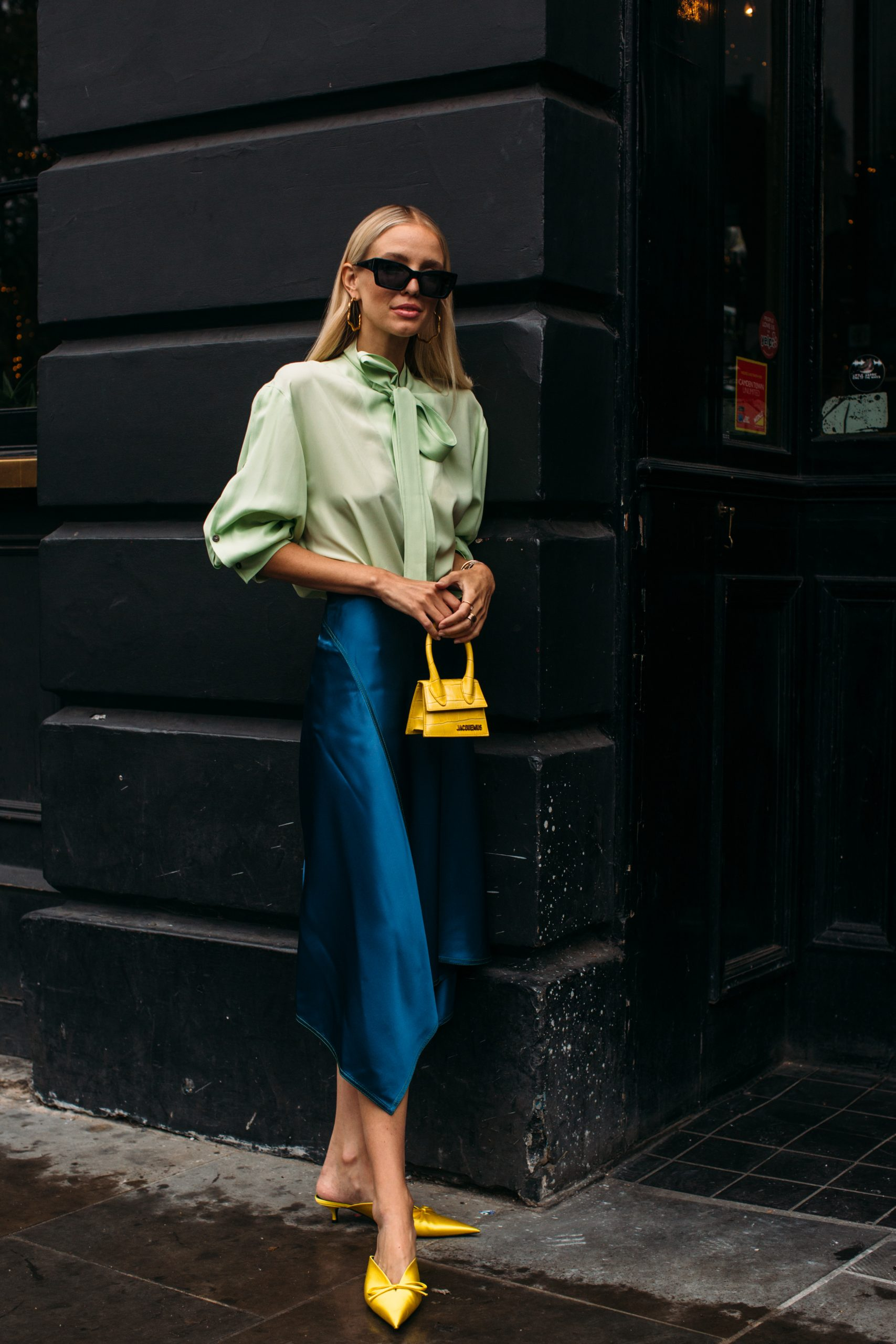 La influencer Leonie Hanne con blusa romántica/Foto: Imaxtree.