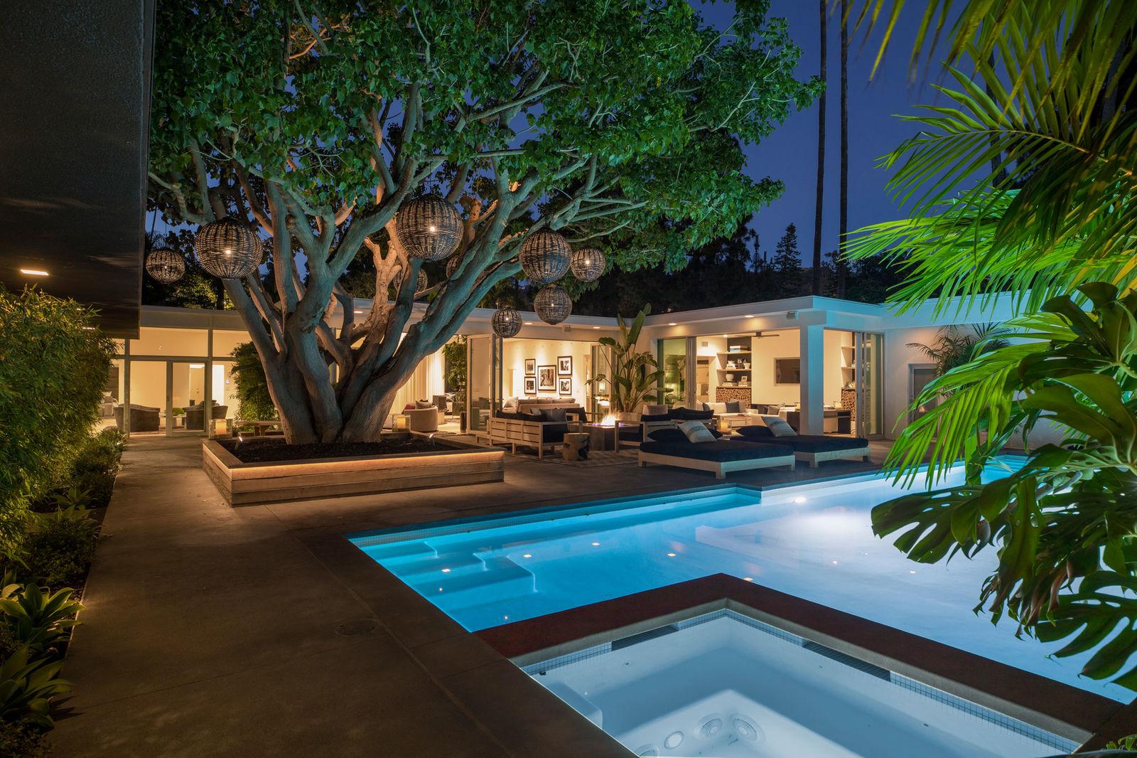 Vista del jardín de la casa de Cindy Crawford. /Foto: Oasisonlomavista