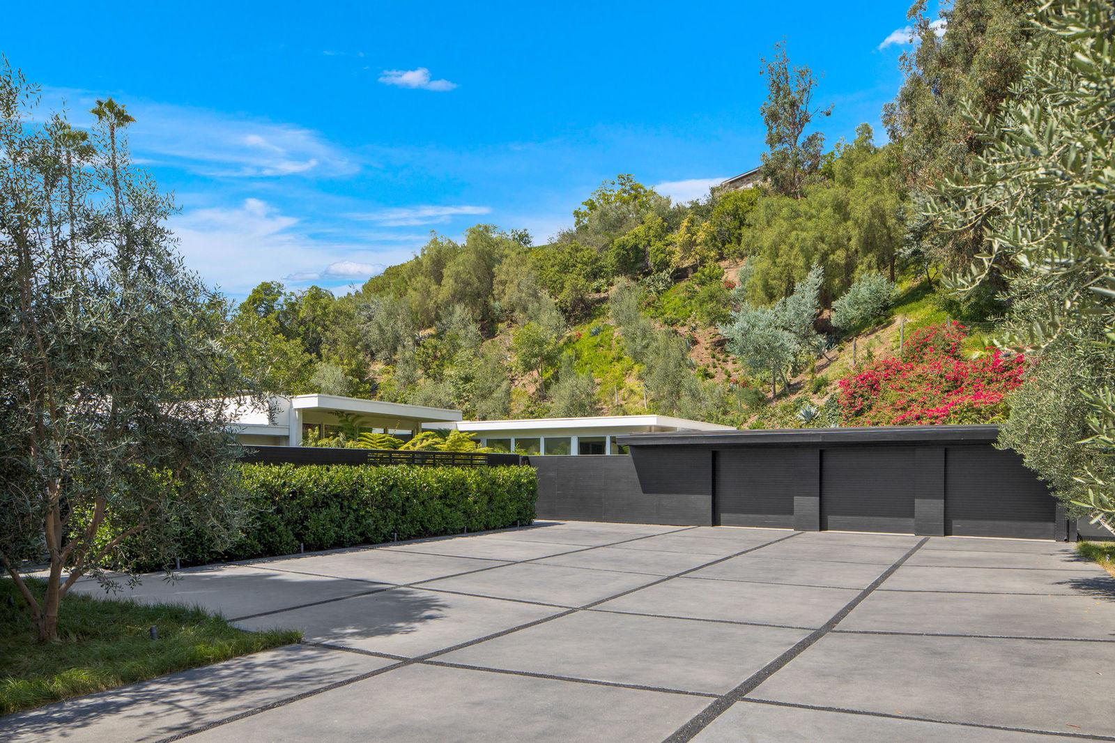 Vista del garaje de la casa de Crawford. /Foto: Oasisonlomavista