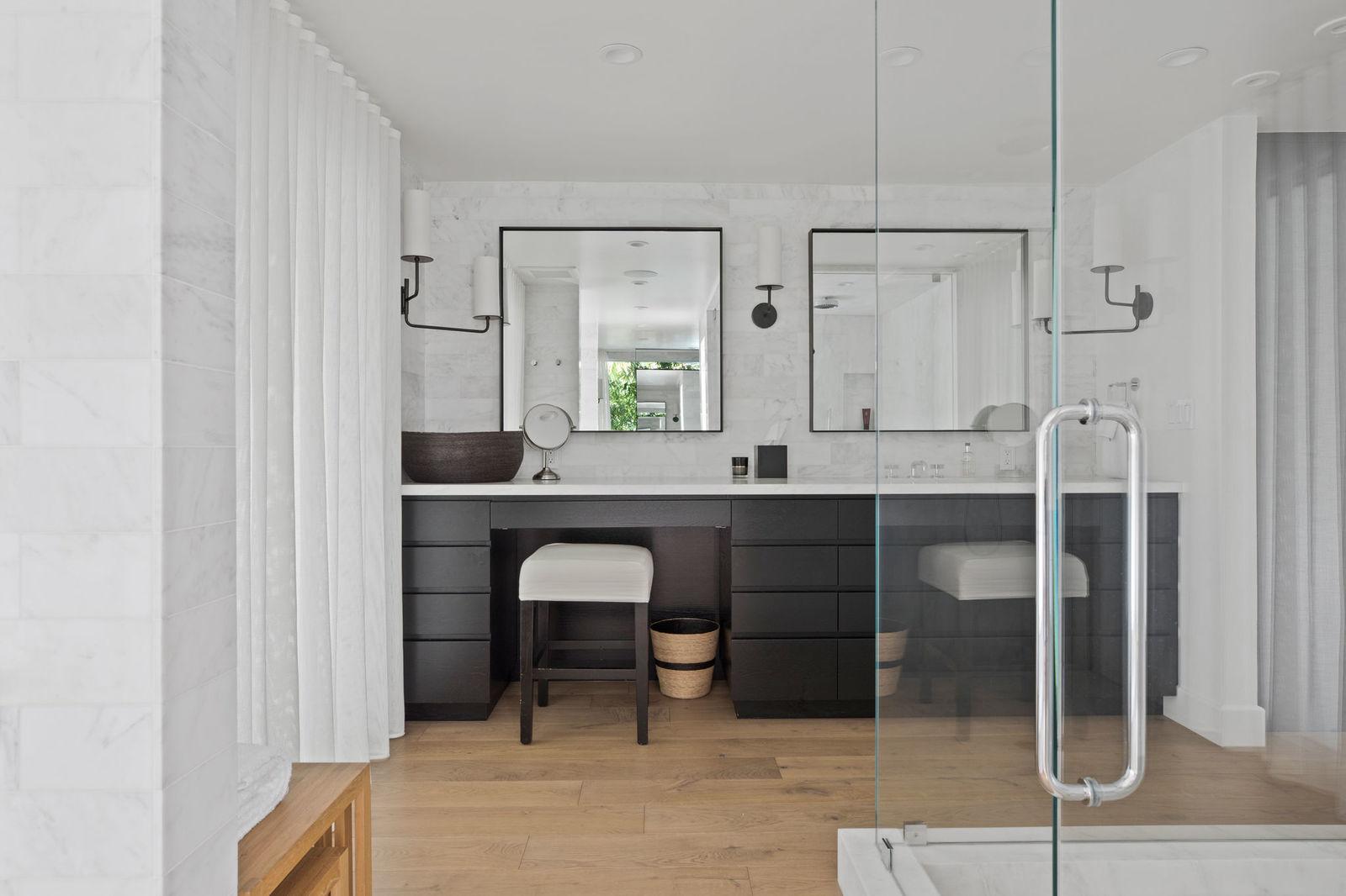 En la imagen, el doble tocador del baño de Cindy Crawford. /Foto: Oasisonlomavista