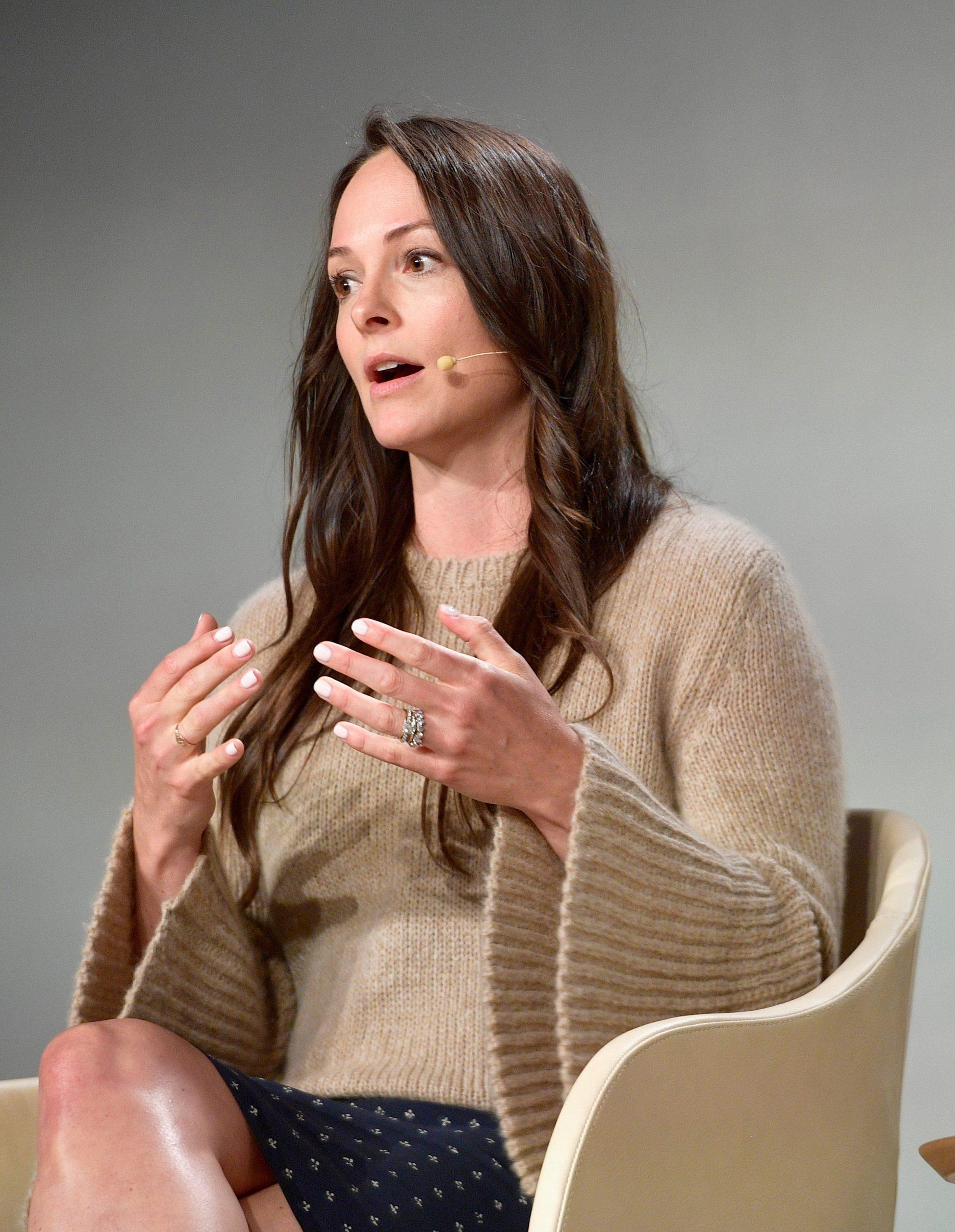 En la imagen, la nutricionista Kelly Leveque ofrece una conferencia. /Foto: Getty Images
