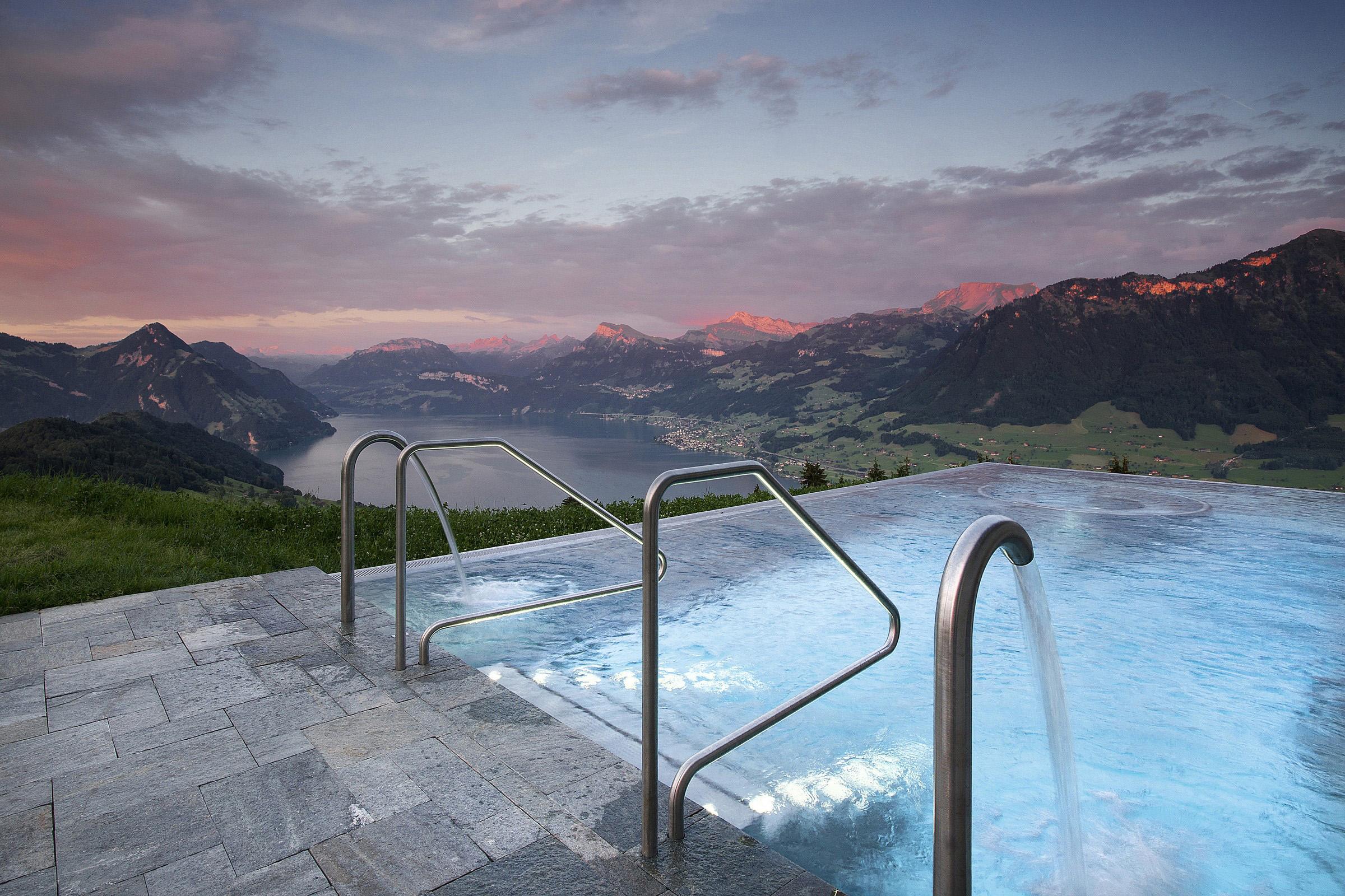 Infinity pool en Alpes
