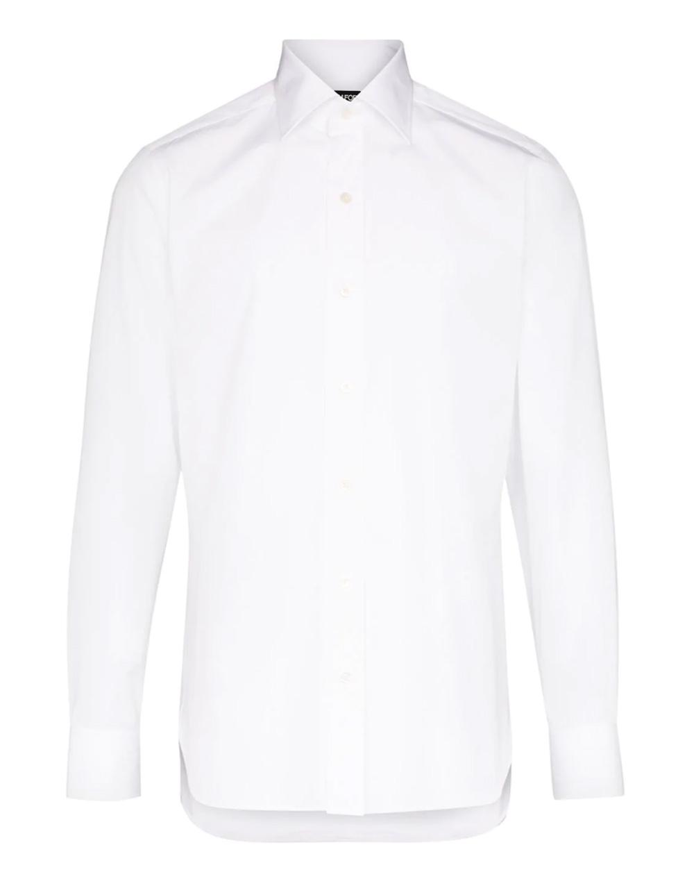 prendas básicas de hombre: la camisa blanca