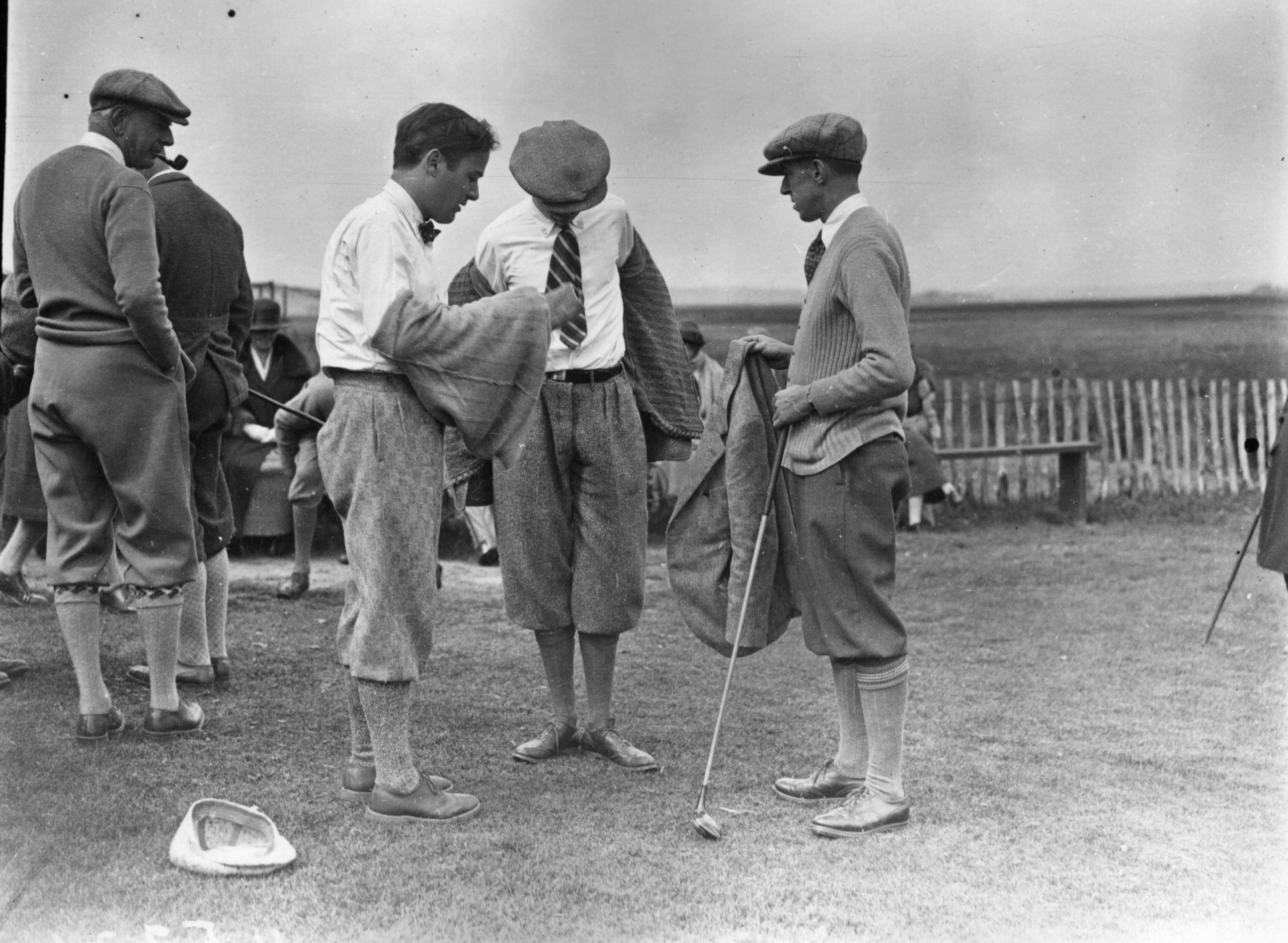 En la imagen, miembros de las sociedades de golf de Oxford y Cambridge en 1923. /Foto: Getty