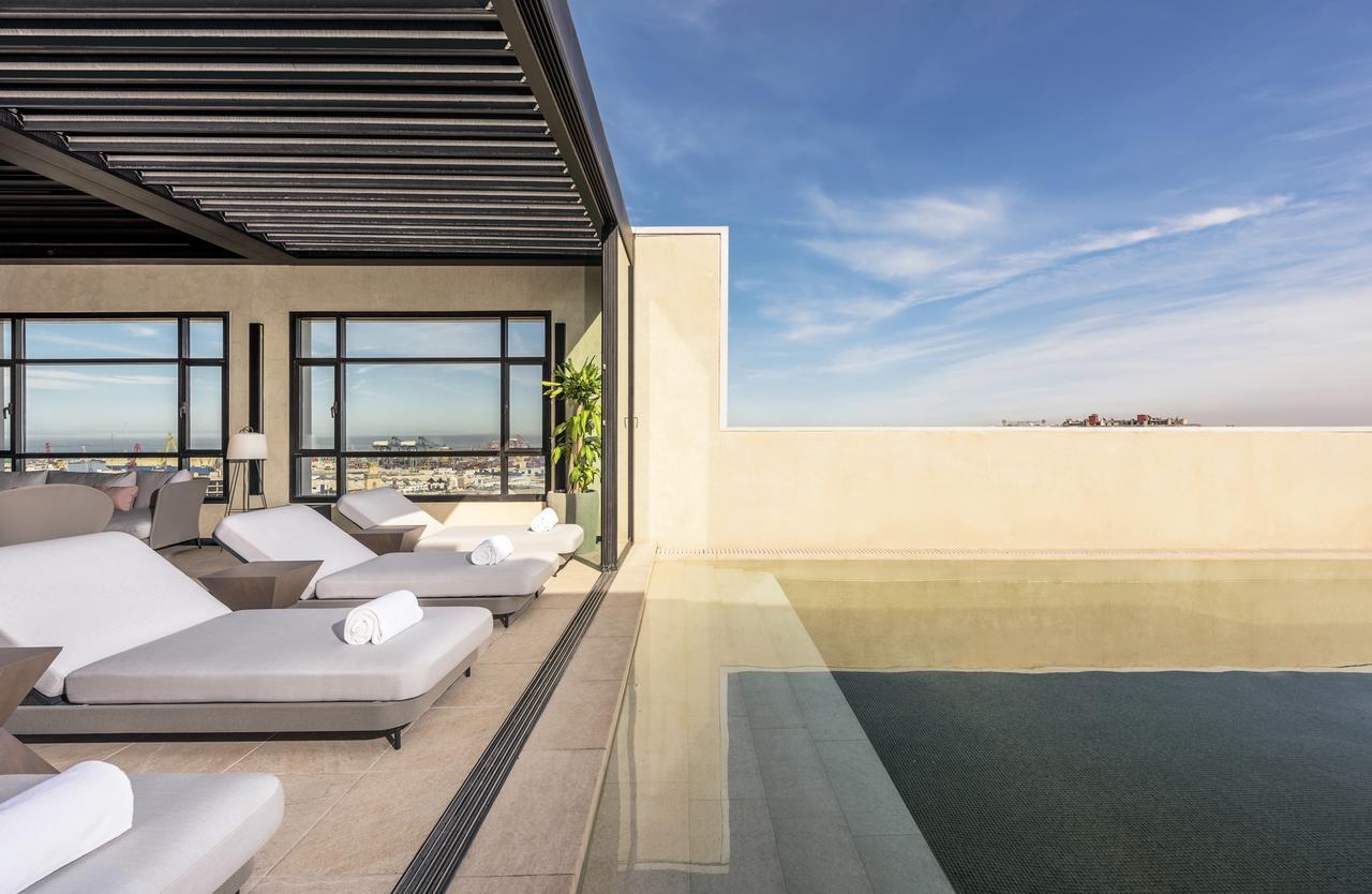 La piscina del hotel/Foto:Radisson Blu Hotel Casablanca City Center.