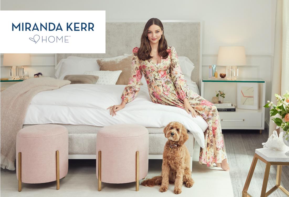 Una imagen de campaña de Miranda Kerr, con su nueva línea de muebles./Foto: Cortesía de Universal Furniture.