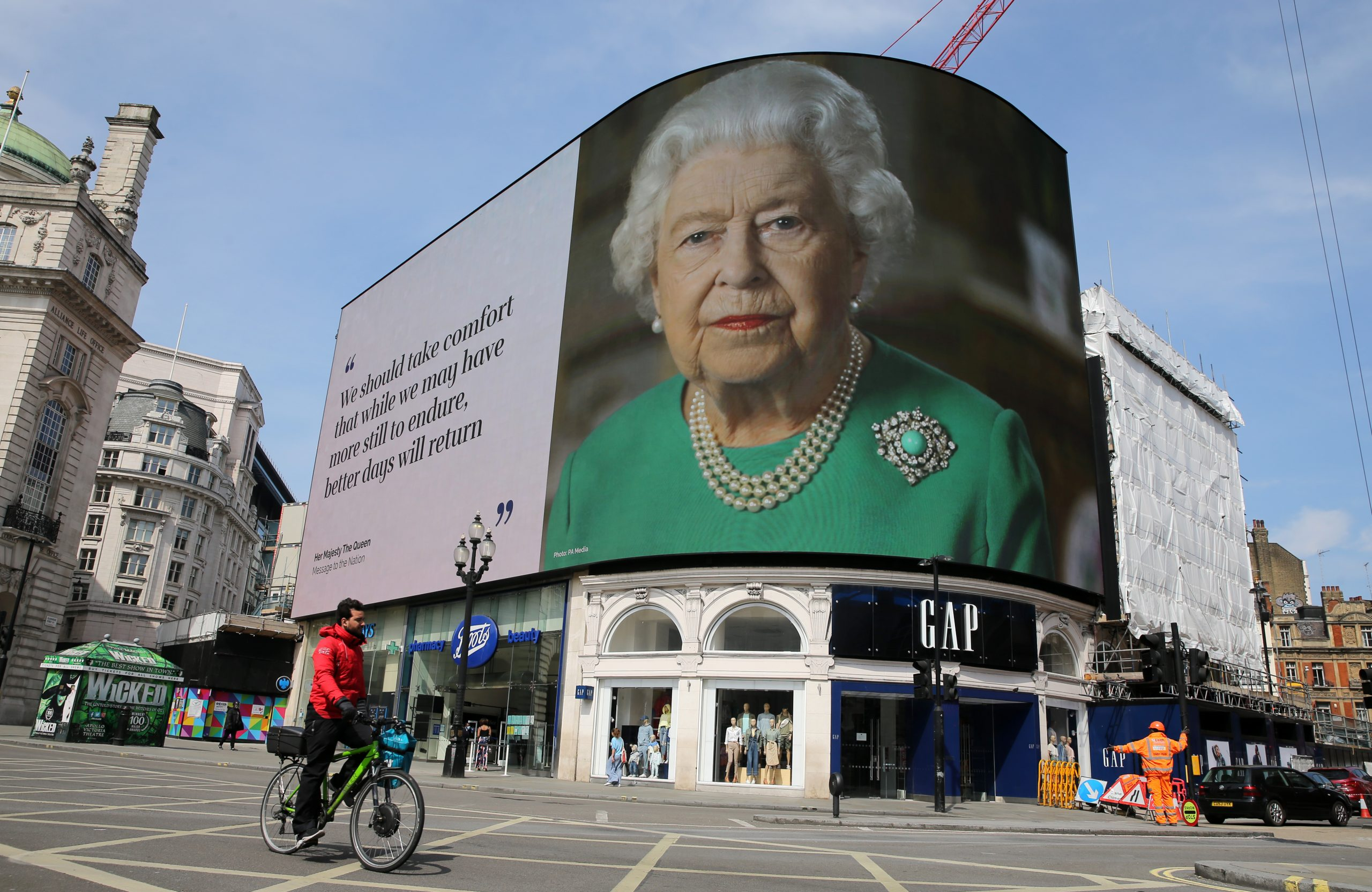 En la imagen, el mensaje de la Reina Isabel II por el coronavirus. /Foto: Getty