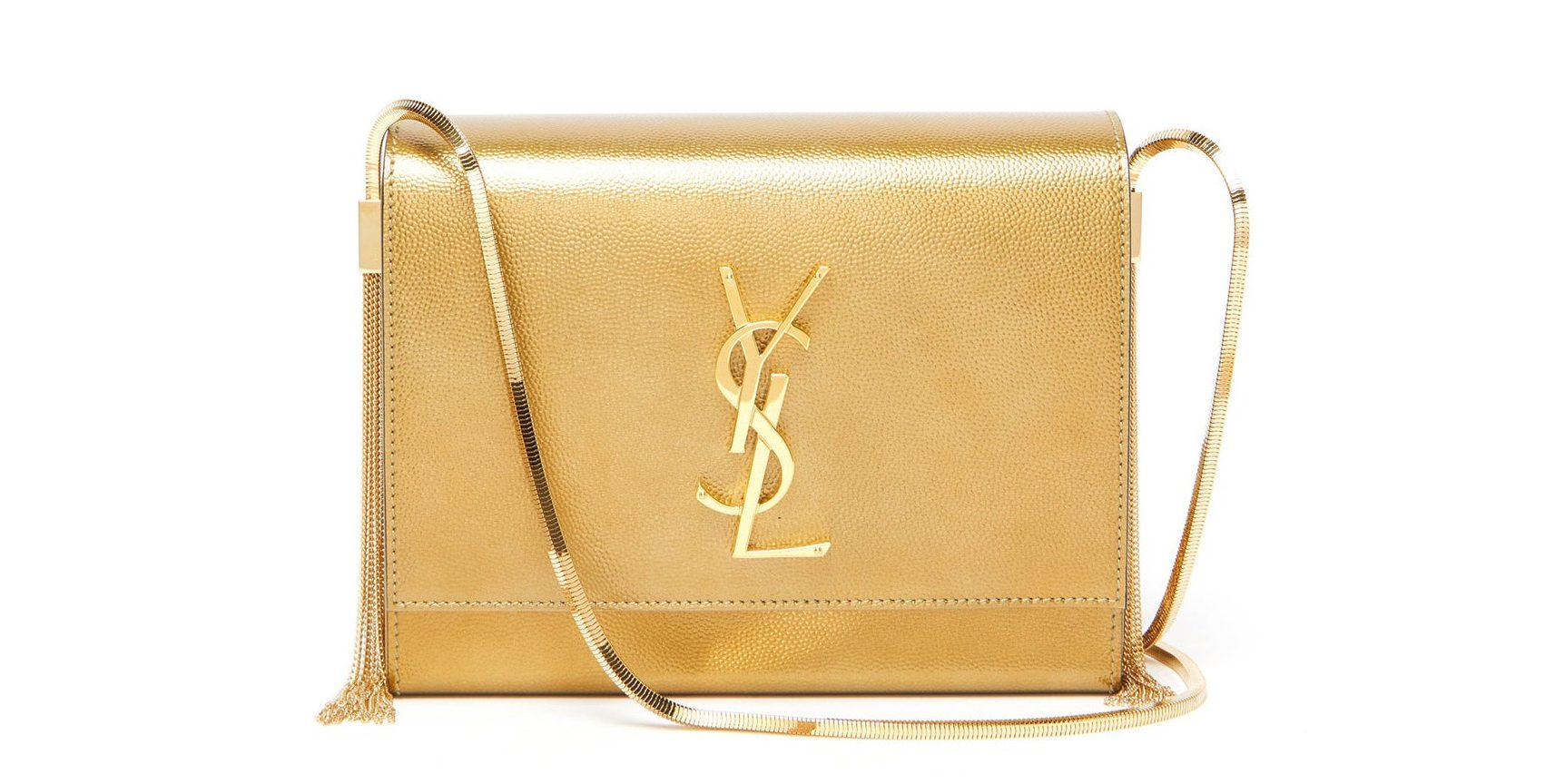 Bolso dorado de Saint Laurent.