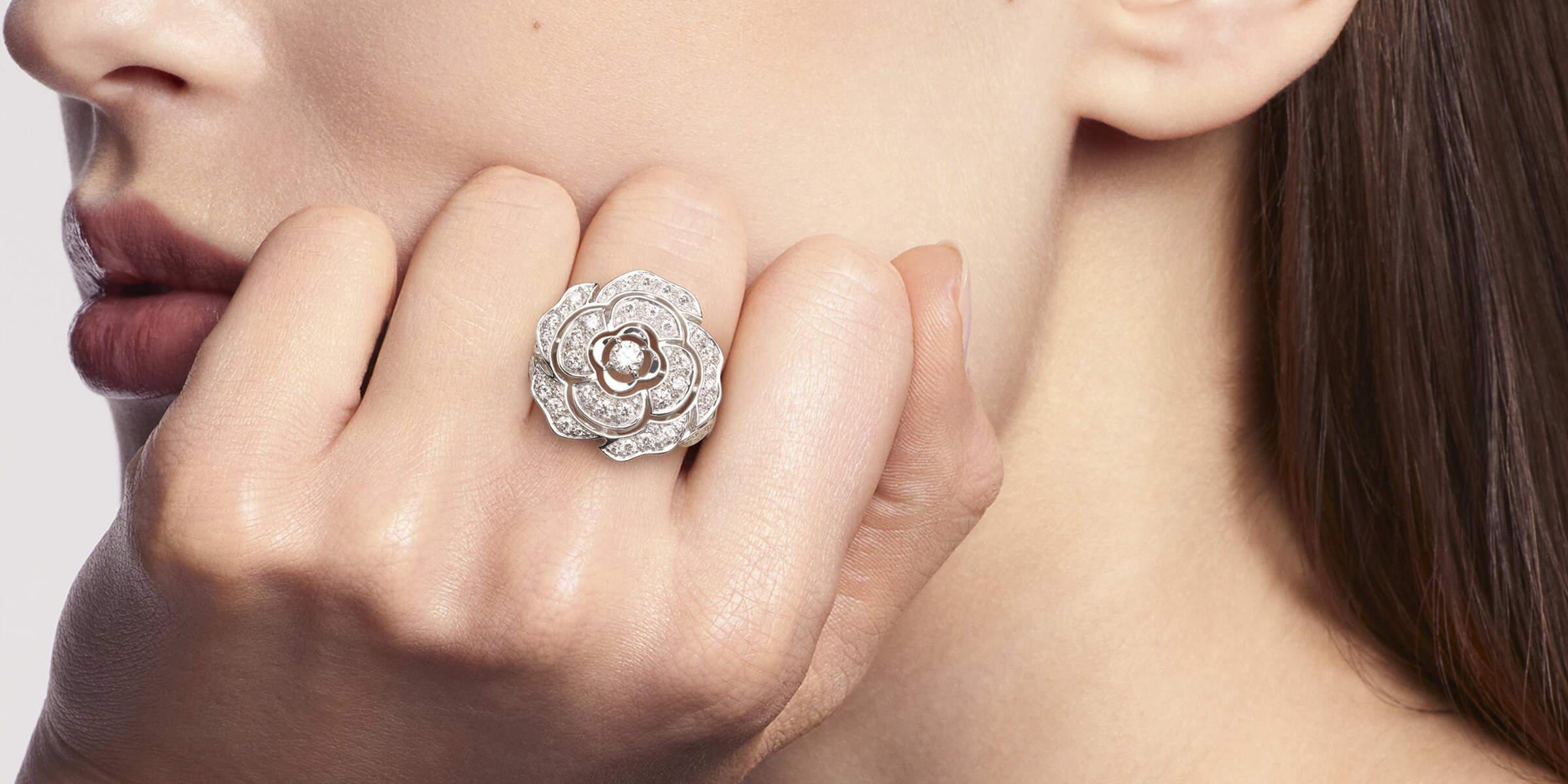 Anillo Bouton de Chanel