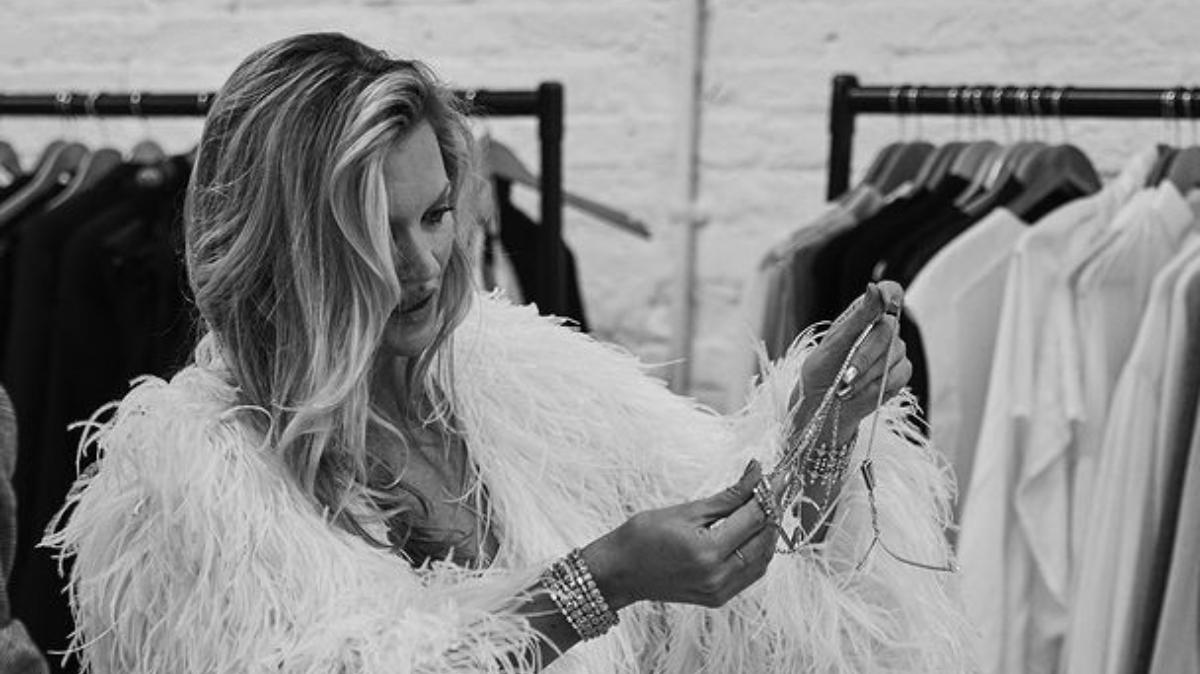 Kate Moss con joyas de Messika/Foto: Messika