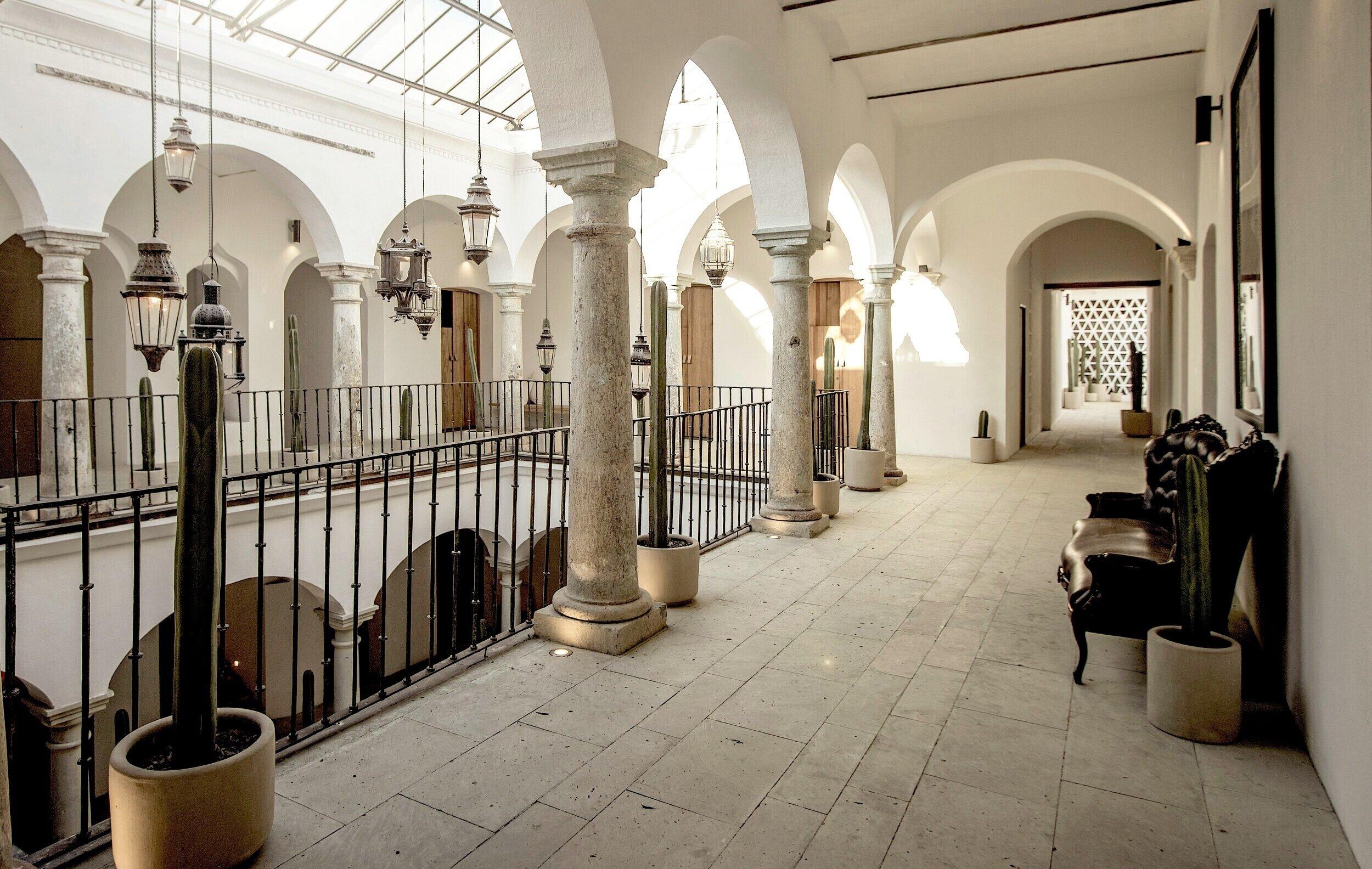Interiores del Hotel Sin Nombre