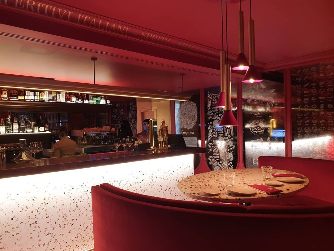 Sala Roja del restaurante Noi