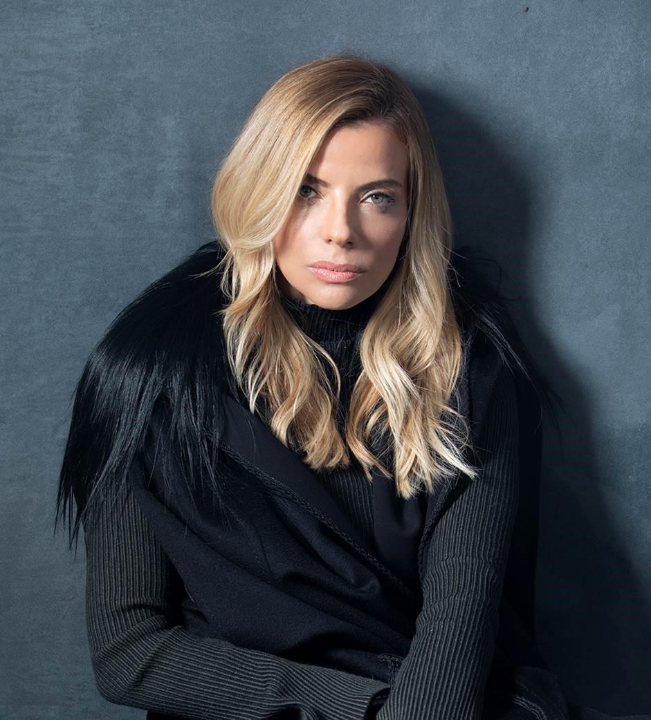 Raquel Oliva con abrigo de Pepe Botella.