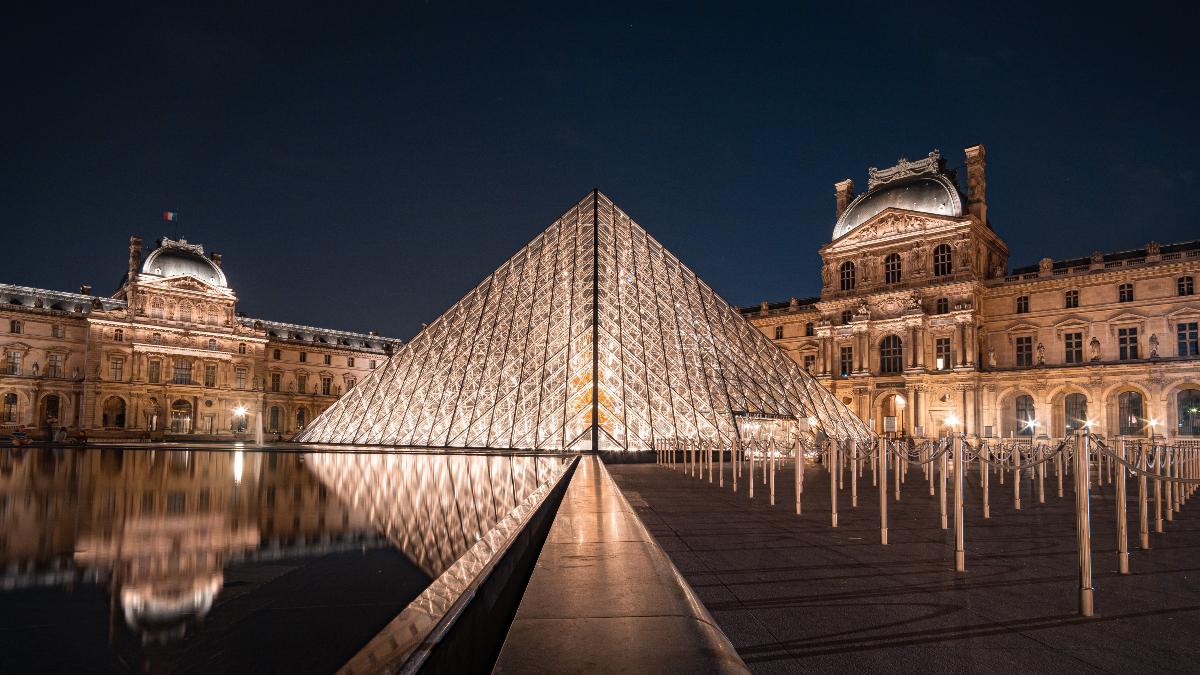 El Louvre/Foto: Michael Fousert en Unsplash