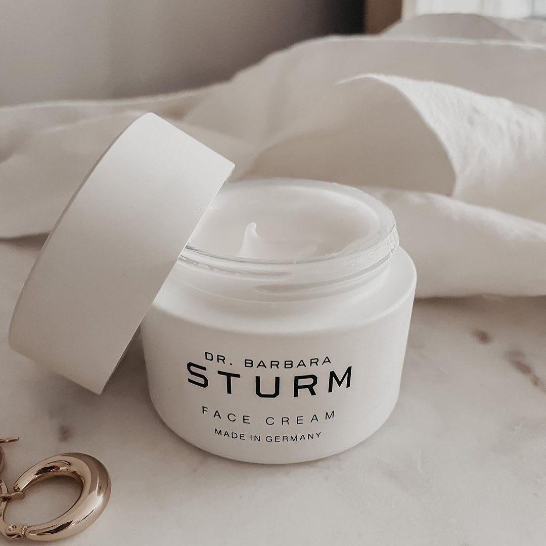 Crema facila de la Doctora Bárbara Strum. /Foto: @drbarbarasturm