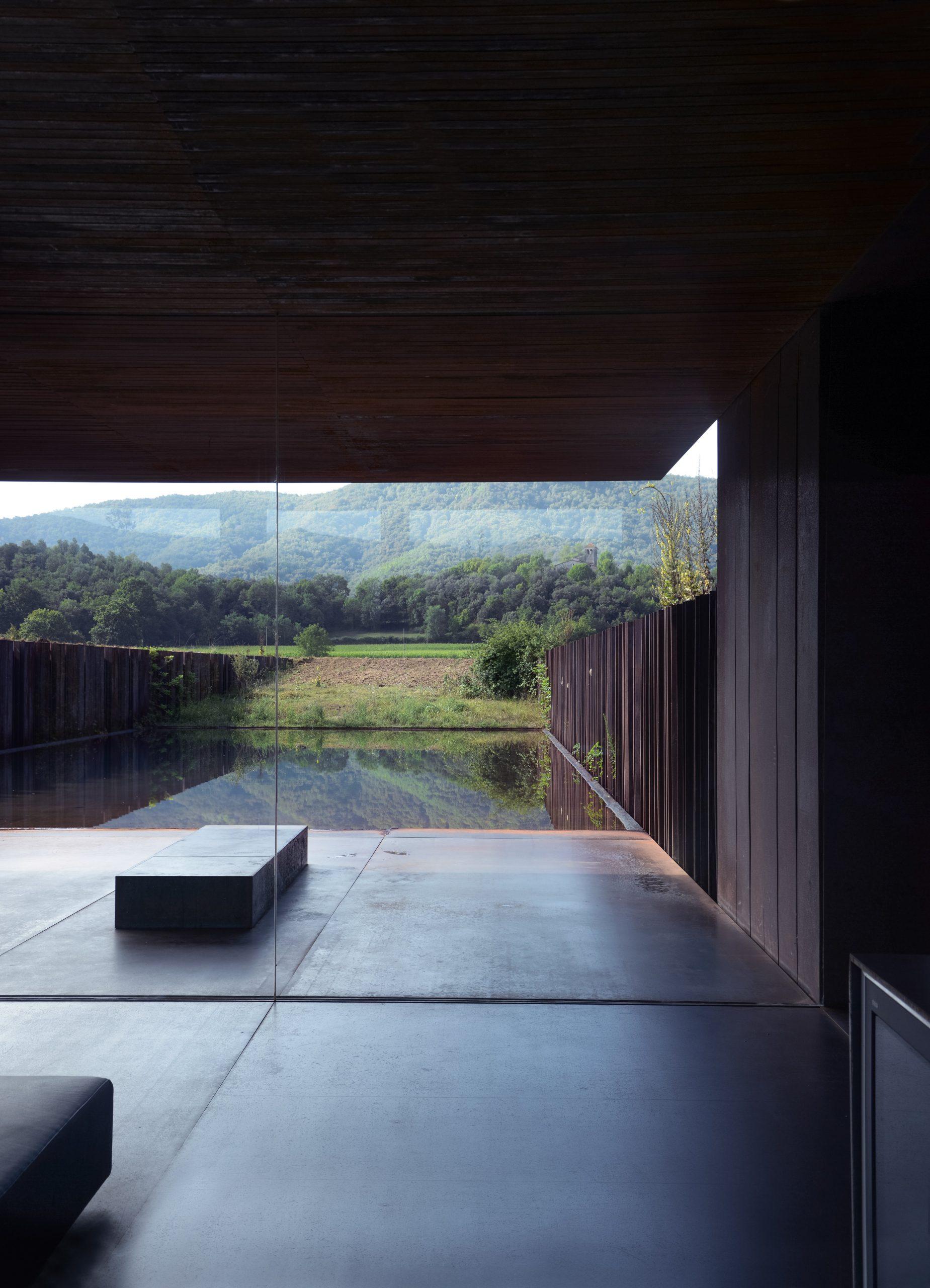Interior de la Casa Horizontal / Foto: Casa Horizonte del estudio RCR / Foto: Theo Coutanceau-Domini
