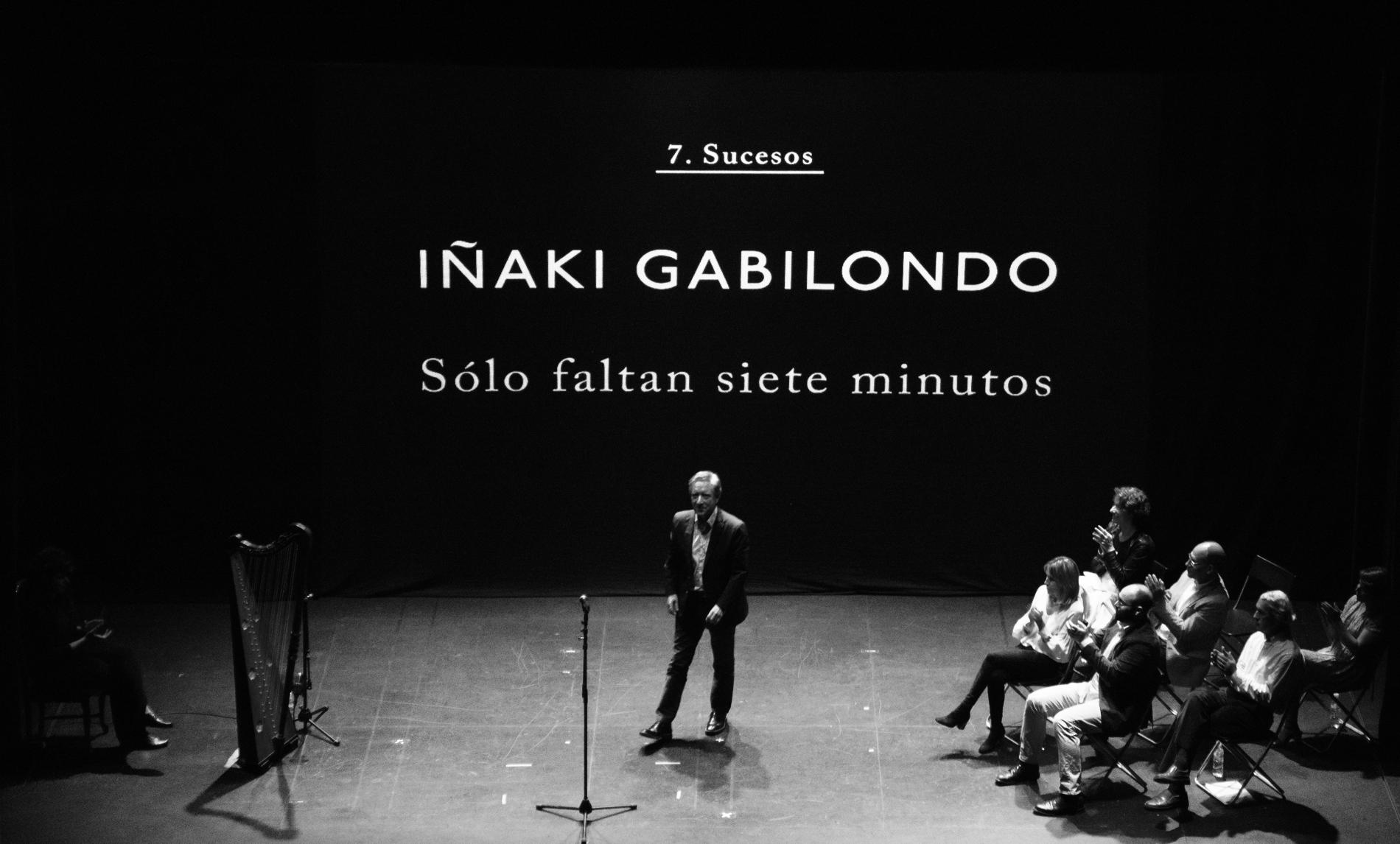 Iñaki Gabilondo sobre el escenario de Diario Vivo / Foto: Diario Vivo