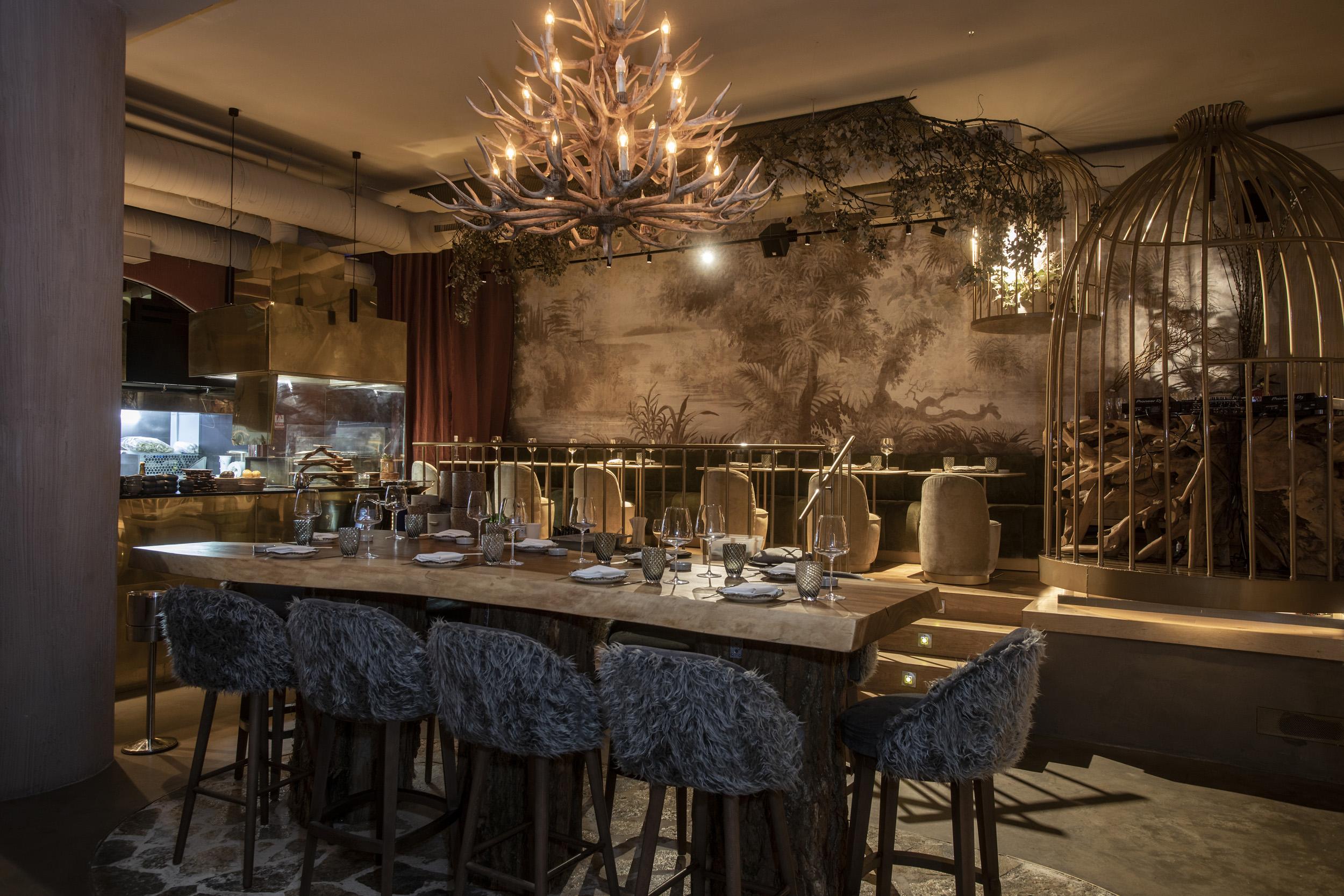 Interior del restaurante Salvaje