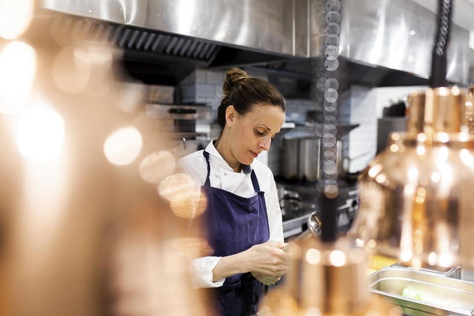 La chef Begoña Freire / Foto: @etimorestaurante