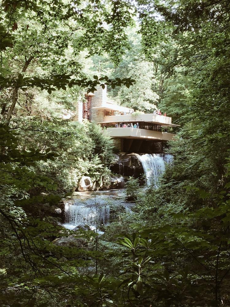 Casa de la Cascada de Frank Lloyd Wright / Foto: Unplash