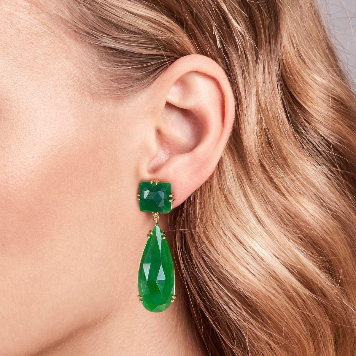 Pendientes de jade verde. / Foto: Rabat
