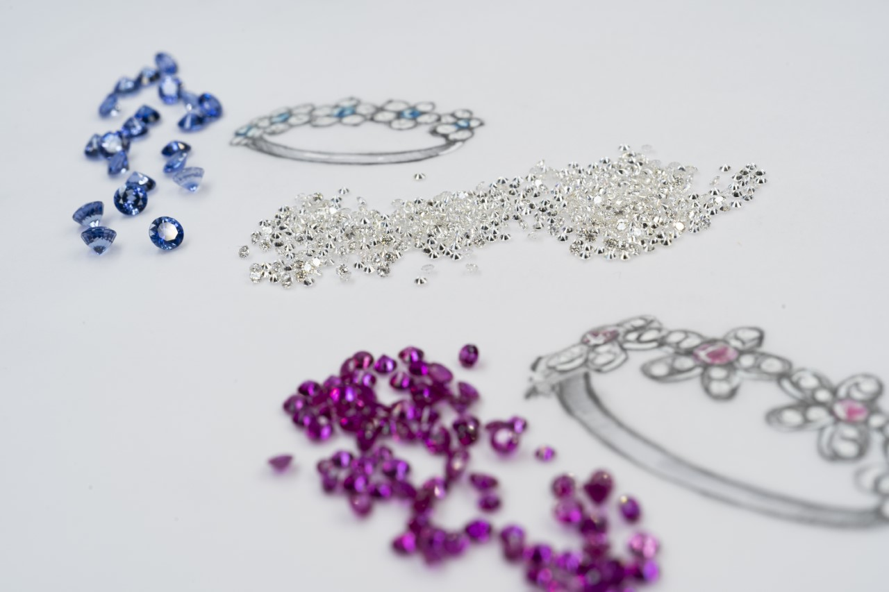 Algunos de los zafiros utilizados / Foto: Suarez