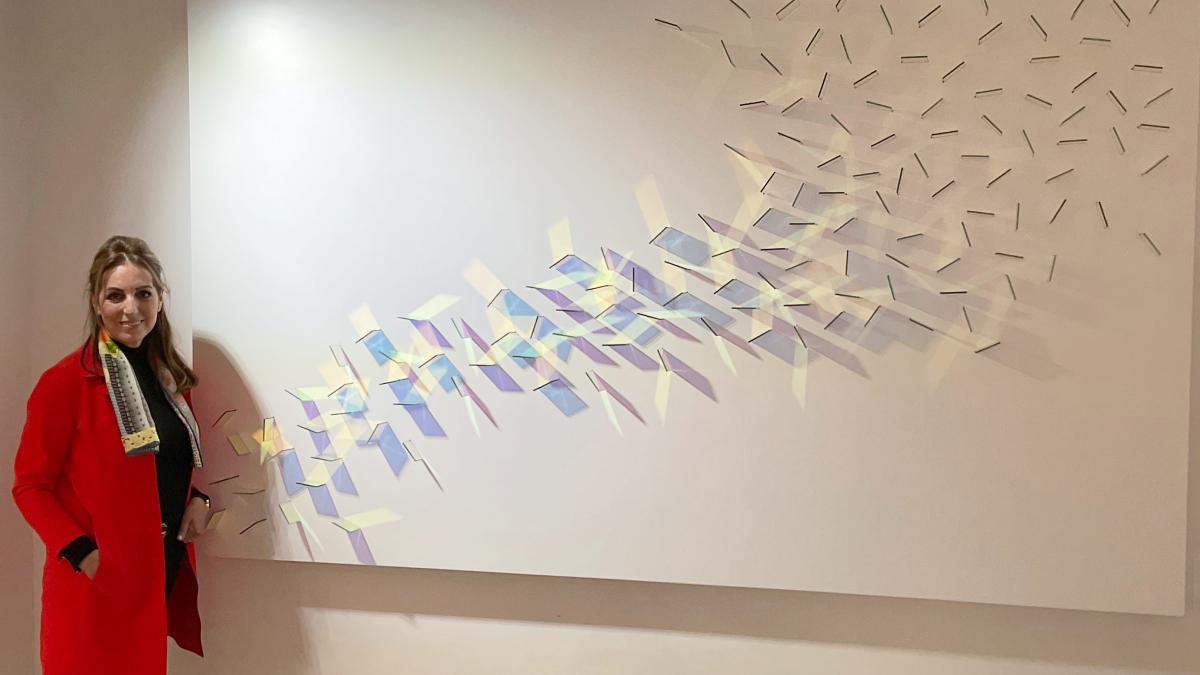 Mercedes Guenun con una de sus obras