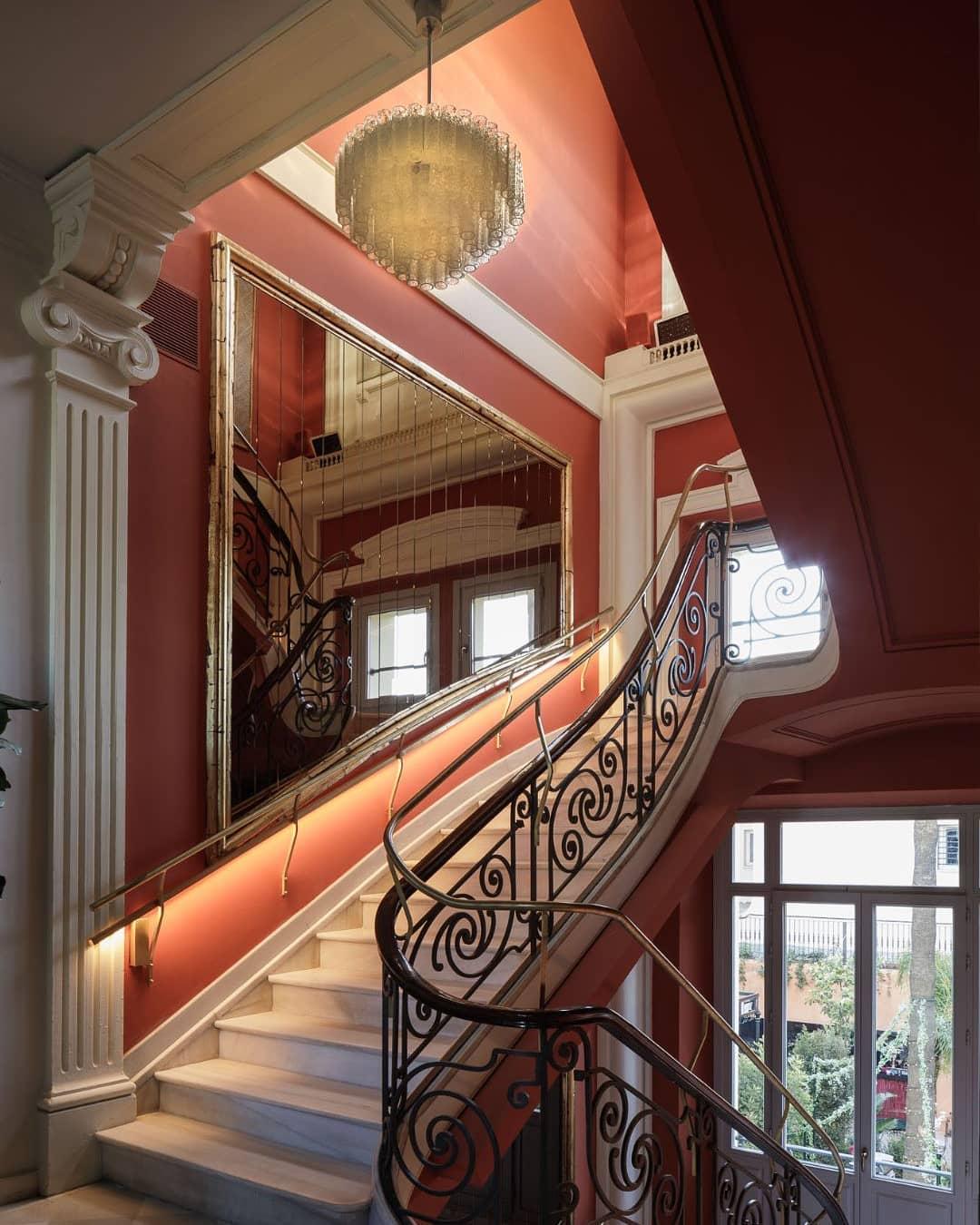La escalera modernista / Foto: Villa Ozama