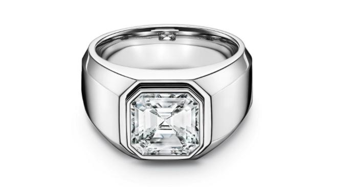 Anillo de compromiso en platino de Tiffany