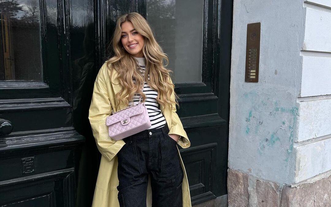 Emili Sindlev con bolso de Chanel / Foto: @emilisindlev