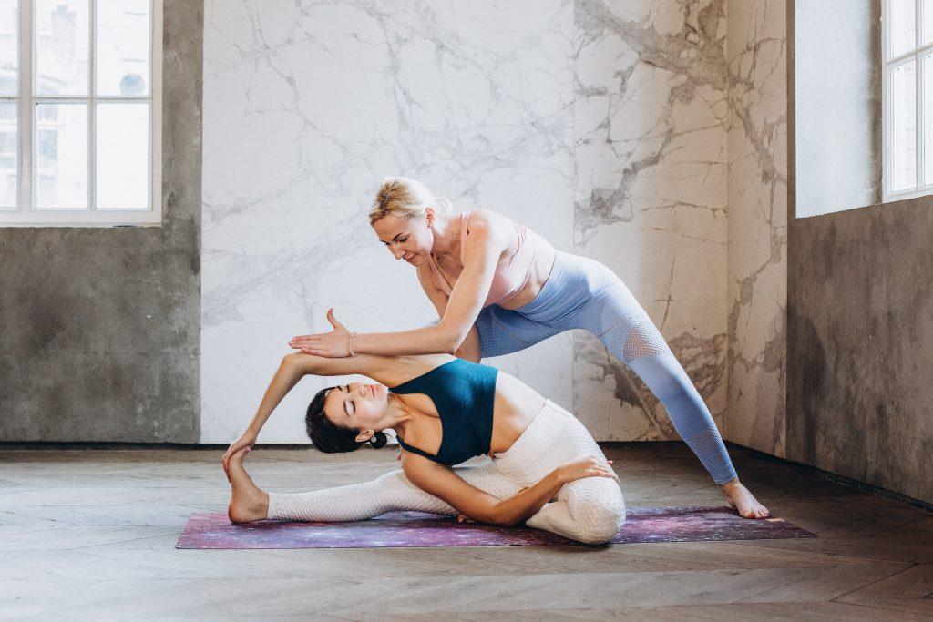 Janu Sirsasana yoga