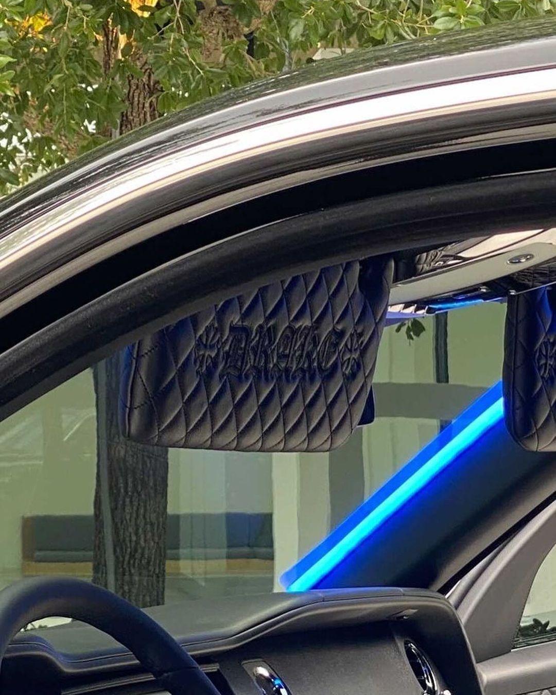 Interior del Roll Royce de Drake