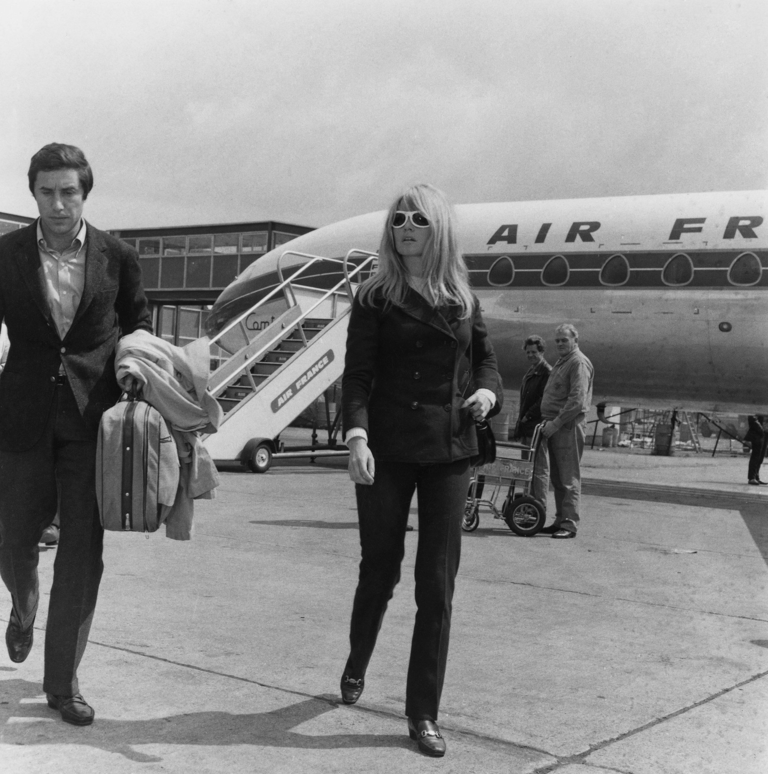 Brigitte Bardot con su novio Bob Zaguri en 1966 / Foto: Getty Images