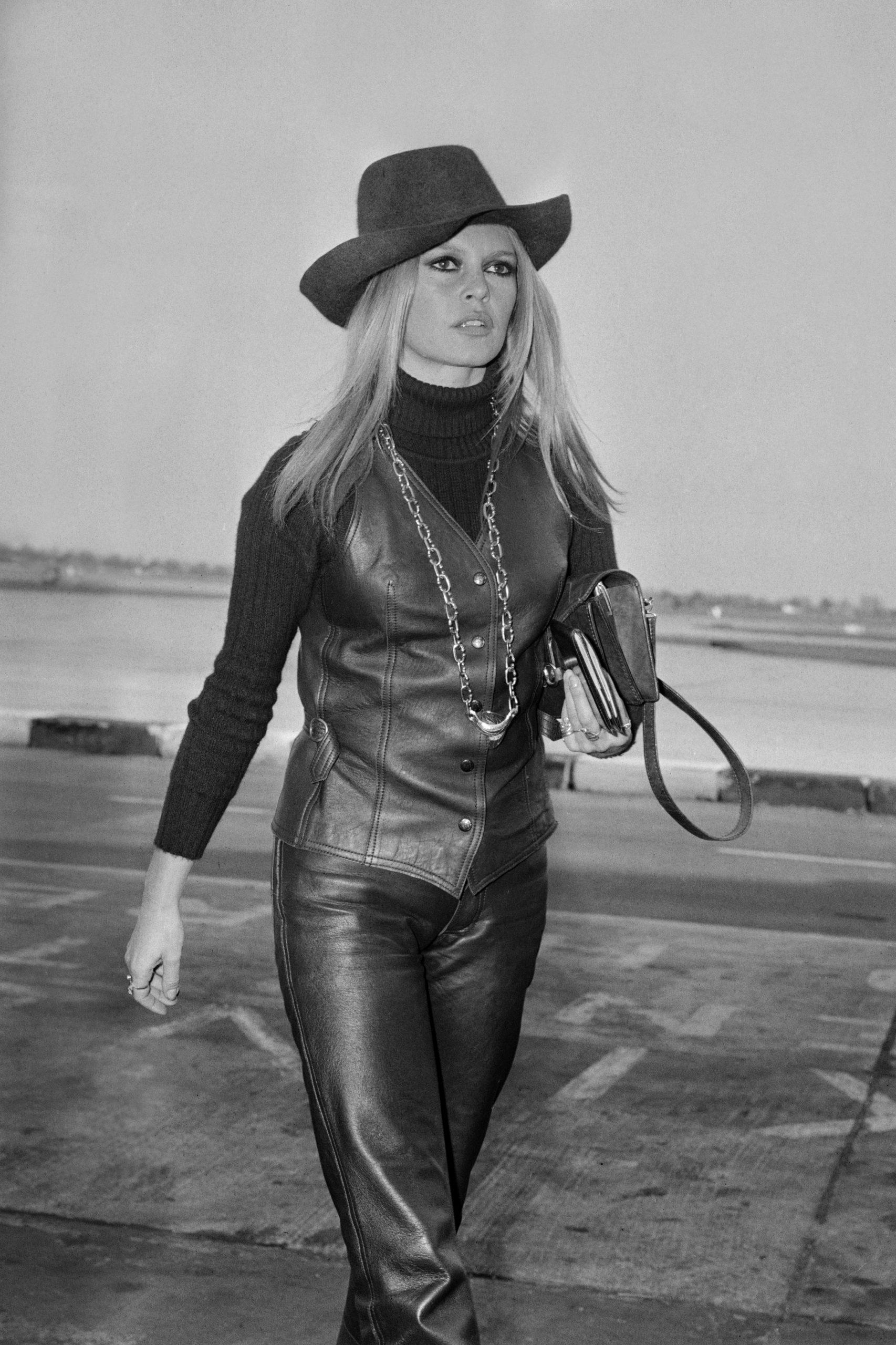 Brigitte Bardot en el aeropuerto de Londres en 1968 / Foto: Getty Images