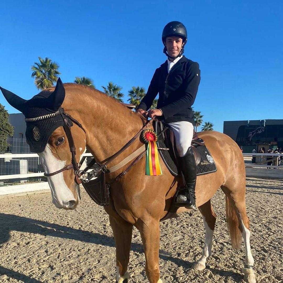 El reconocido jinete con uno de sus caballos/Foto: Instagram