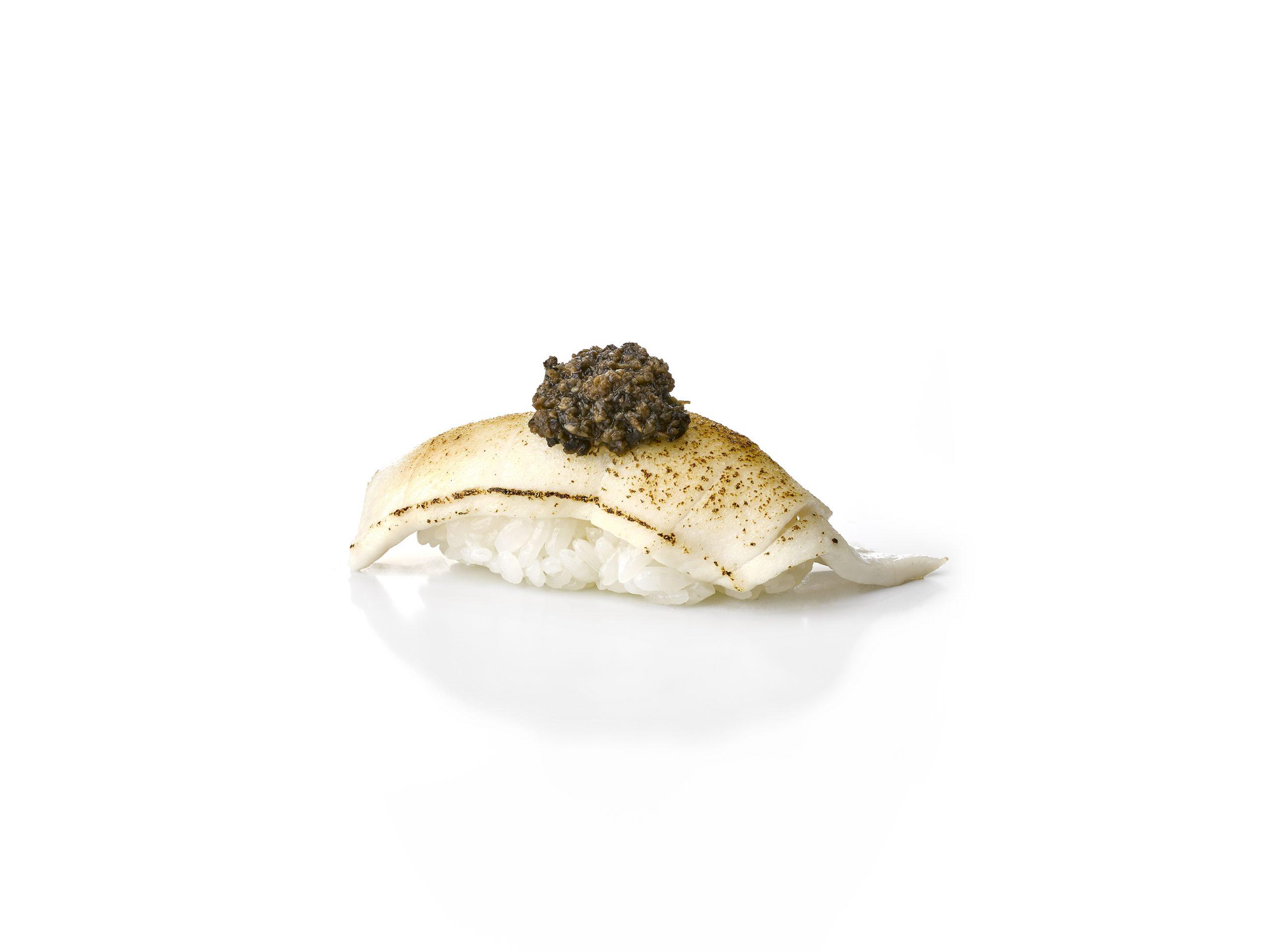 Butter fish con trufa / Foto: Nomo