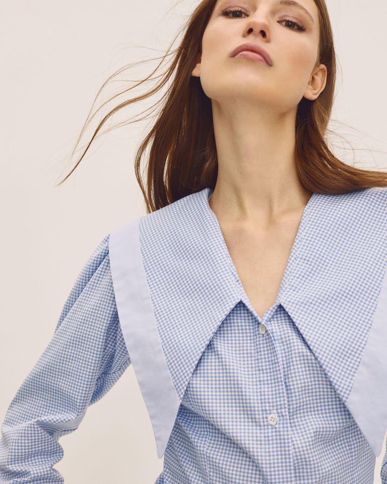 Camisa con cuello babydoll / Foto: IQ Collection