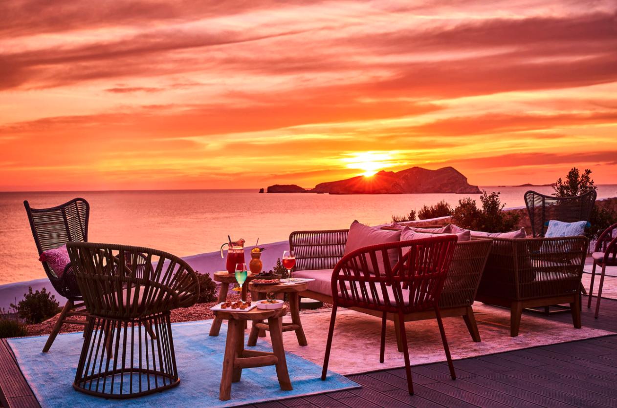 Puesta de sol en el 7Pines Resort Ibiza