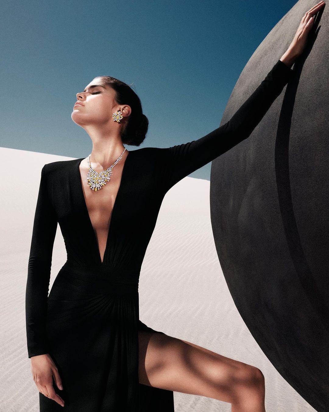 Graff y Sara Sampaio, elegancia y sofisticación en el desierto