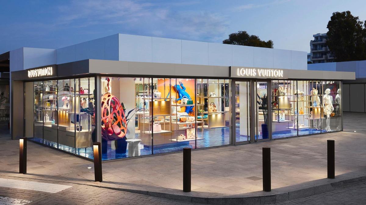 Louis Vuitton se estrena en Ibiza con un bolso edición limitada