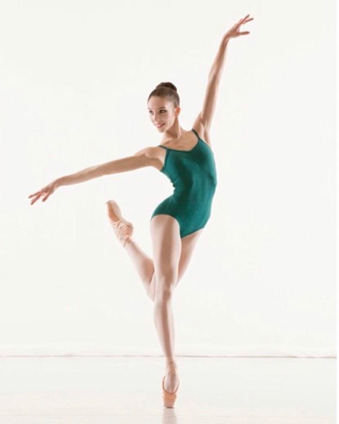 Yasmina Kerr