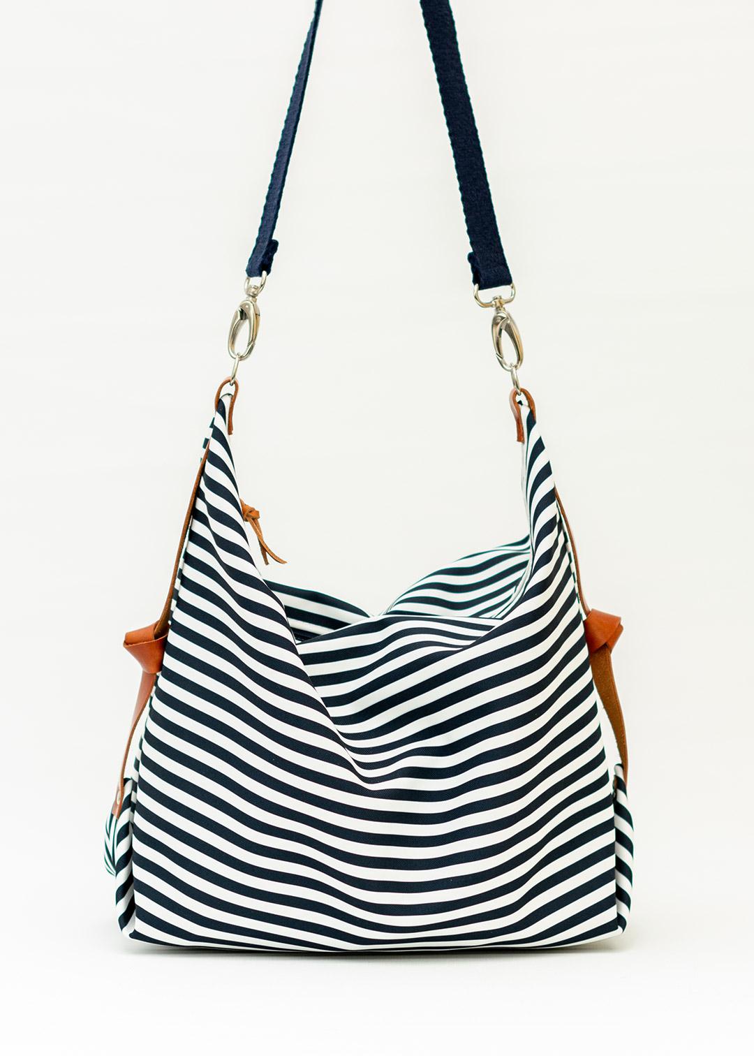 Marabara y sus bolsos a rayas marineras ideales para ir a la playa