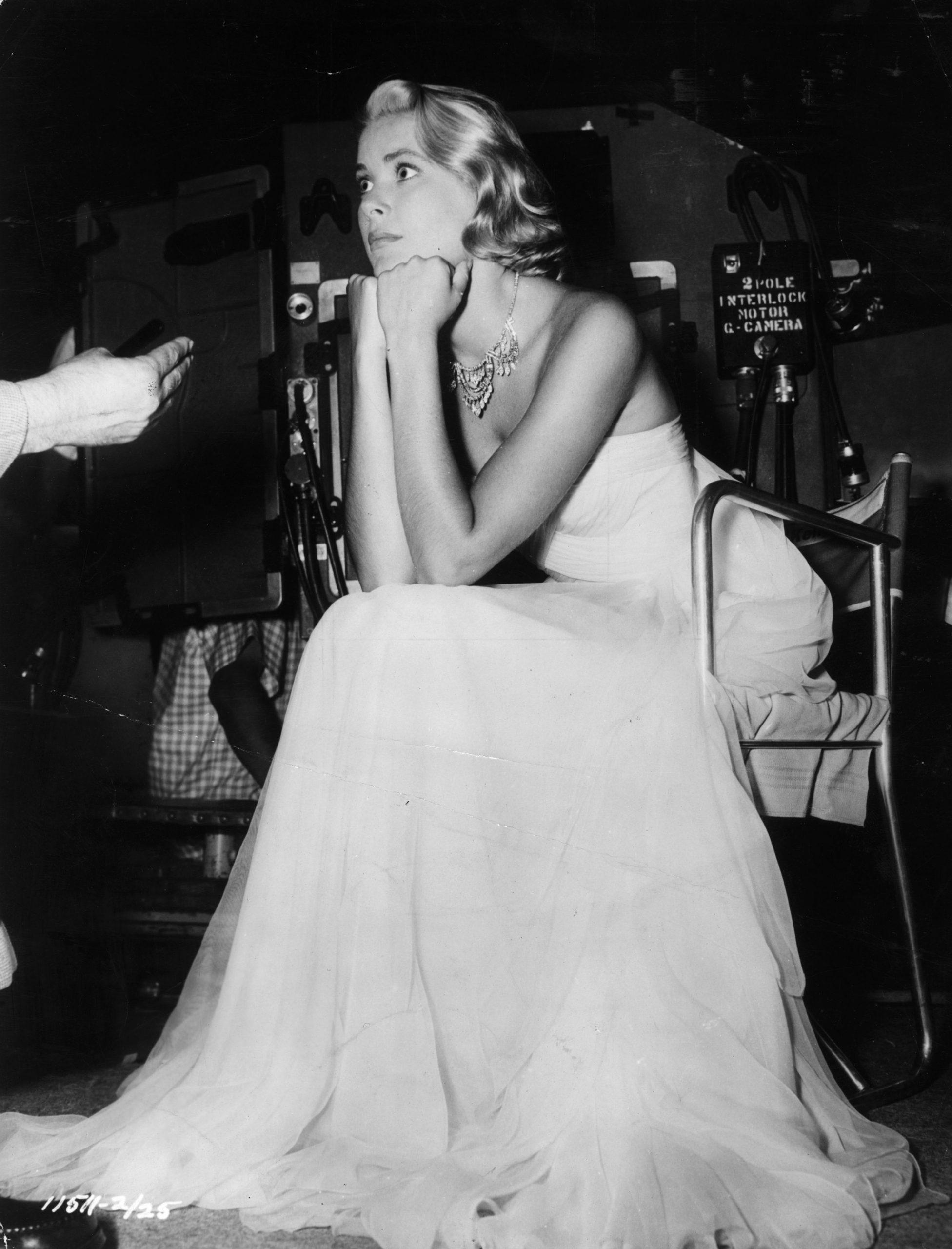 Grace Kelly en el set de 'To Catch a Prince', rodaje en el que conoció al Príncipe Rainiero / Foto: Getty Images